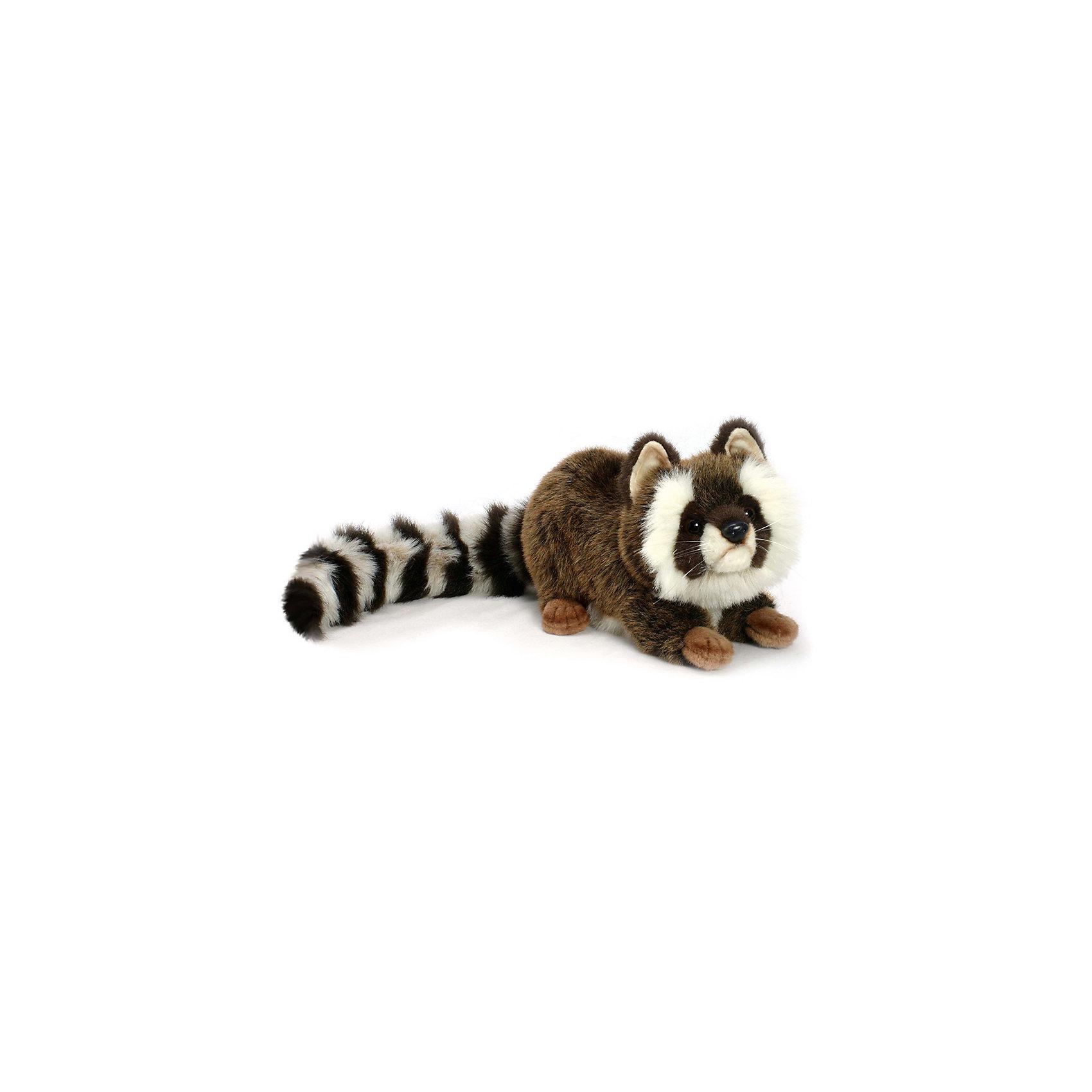 Енот, 35 смЗвери и птицы<br>Енот, 35 см – игрушка от знаменитого бренда Hansa, специализирующегося на выпуске мягких игрушек с высокой степенью натуралистичности. Внешний вид игрушечного енота полностью соответствует своему реальному прототипу. Он выполнен из искусственного меха меланжевого окраса с длинным ворсом: у енота – пушистый полосатый хвост и белые пухлые щечки. Использованные материалы обладают гипоаллергенными свойствами. Внутри игрушки имеется металлический каркас, позволяющий изменять положение. <br>Игрушка относится к серии Дикие животные. <br>Мягкие игрушки от Hansa подходят для сюжетно-ролевых игр, для обучающих игр, направленных на знакомство с животным миром дикой природы. Кроме того, их можно использовать в качестве интерьерных игрушек. Коллекция из нескольких игрушек позволяет создать свой домашний зоопарк, который будет радовать вашего ребенка долгое время, так как ручная работа и качественные материалы гарантируют их долговечность и прочность.<br><br>Дополнительная информация:<br><br>- Вид игр: сюжетно-ролевые игры, коллекционирование, интерьерные игрушки<br>- Предназначение: для дома, для детских развивающих центров, для детских садов<br>- Материал: искусственный мех, наполнитель ? полиэфирное волокно<br>- Размер (ДхШхВ): 74*21*22 см<br>- Вес: 770 г<br>- Особенности ухода: сухая чистка при помощи пылесоса или щетки для одежды<br><br>Подробнее:<br><br>• Для детей в возрасте: от 3 лет <br>• Страна производитель: Филиппины<br>• Торговый бренд: Hansa<br><br>Енота, 35 см можно купить в нашем интернет-магазине.<br><br>Ширина мм: 74<br>Глубина мм: 21<br>Высота мм: 22<br>Вес г: 770<br>Возраст от месяцев: 36<br>Возраст до месяцев: 2147483647<br>Пол: Унисекс<br>Возраст: Детский<br>SKU: 4927139