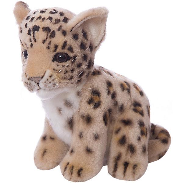 Детеныш леопарда, 18 смМягкие игрушки животные<br>Детеныш леопарда,  18 см – игрушка от знаменитого бренда Hansa, специализирующегося на выпуске мягких игрушек с высокой степенью натуралистичности. Внешний вид игрушечного леопарда полностью соответствует реальному прототипу. Он выполнен из искусственного меха рыжего цвета с ворсом средней длины и черными колечками. Использованные материалы обладают гипоаллергенными свойствами. Внутри игрушки имеется металлический каркас, позволяющий изменять положение. <br>Игрушка относится к серии Дикие животные. <br>Мягкие игрушки от Hansa подходят для сюжетно-ролевых игр, для обучающих игр, направленных на знакомство с животным миром дикой природы. Кроме того, их можно использовать в качестве интерьерных игрушек. Коллекция из нескольких игрушек позволяет создать свой домашний зоопарк, который будет радовать вашего ребенка долгое время, так как ручная работа и качественные материалы гарантируют их долговечность и прочность.<br><br>Дополнительная информация:<br><br>- Вид игр: сюжетно-ролевые игры, коллекционирование, интерьерные игрушки<br>- Предназначение: для дома, для детских развивающих центров, для детских садов<br>- Материал: искусственный мех, наполнитель ? полиэфирное волокно<br>- Размер (ДхШхВ): 18*18*13 см<br>- Вес: 690 г<br>- Особенности ухода: сухая чистка при помощи пылесоса или щетки для одежды<br><br>Подробнее:<br><br>• Для детей в возрасте: от 3 лет <br>• Страна производитель: Филиппины<br>• Торговый бренд: Hansa<br><br>Детеныша леопарда, 18 см можно купить в нашем интернет-магазине.<br><br>Ширина мм: 18<br>Глубина мм: 18<br>Высота мм: 13<br>Вес г: 690<br>Возраст от месяцев: 36<br>Возраст до месяцев: 2147483647<br>Пол: Унисекс<br>Возраст: Детский<br>SKU: 4927159