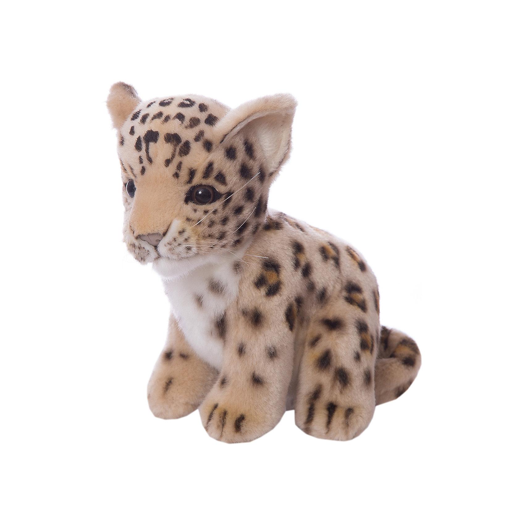 Детеныш леопарда, 18 смЗвери и птицы<br>Детеныш леопарда,  18 см – игрушка от знаменитого бренда Hansa, специализирующегося на выпуске мягких игрушек с высокой степенью натуралистичности. Внешний вид игрушечного леопарда полностью соответствует реальному прототипу. Он выполнен из искусственного меха рыжего цвета с ворсом средней длины и черными колечками. Использованные материалы обладают гипоаллергенными свойствами. Внутри игрушки имеется металлический каркас, позволяющий изменять положение. <br>Игрушка относится к серии Дикие животные. <br>Мягкие игрушки от Hansa подходят для сюжетно-ролевых игр, для обучающих игр, направленных на знакомство с животным миром дикой природы. Кроме того, их можно использовать в качестве интерьерных игрушек. Коллекция из нескольких игрушек позволяет создать свой домашний зоопарк, который будет радовать вашего ребенка долгое время, так как ручная работа и качественные материалы гарантируют их долговечность и прочность.<br><br>Дополнительная информация:<br><br>- Вид игр: сюжетно-ролевые игры, коллекционирование, интерьерные игрушки<br>- Предназначение: для дома, для детских развивающих центров, для детских садов<br>- Материал: искусственный мех, наполнитель ? полиэфирное волокно<br>- Размер (ДхШхВ): 18*18*13 см<br>- Вес: 690 г<br>- Особенности ухода: сухая чистка при помощи пылесоса или щетки для одежды<br><br>Подробнее:<br><br>• Для детей в возрасте: от 3 лет <br>• Страна производитель: Филиппины<br>• Торговый бренд: Hansa<br><br>Детеныша леопарда, 18 см можно купить в нашем интернет-магазине.<br><br>Ширина мм: 18<br>Глубина мм: 18<br>Высота мм: 13<br>Вес г: 690<br>Возраст от месяцев: 36<br>Возраст до месяцев: 2147483647<br>Пол: Унисекс<br>Возраст: Детский<br>SKU: 4927159