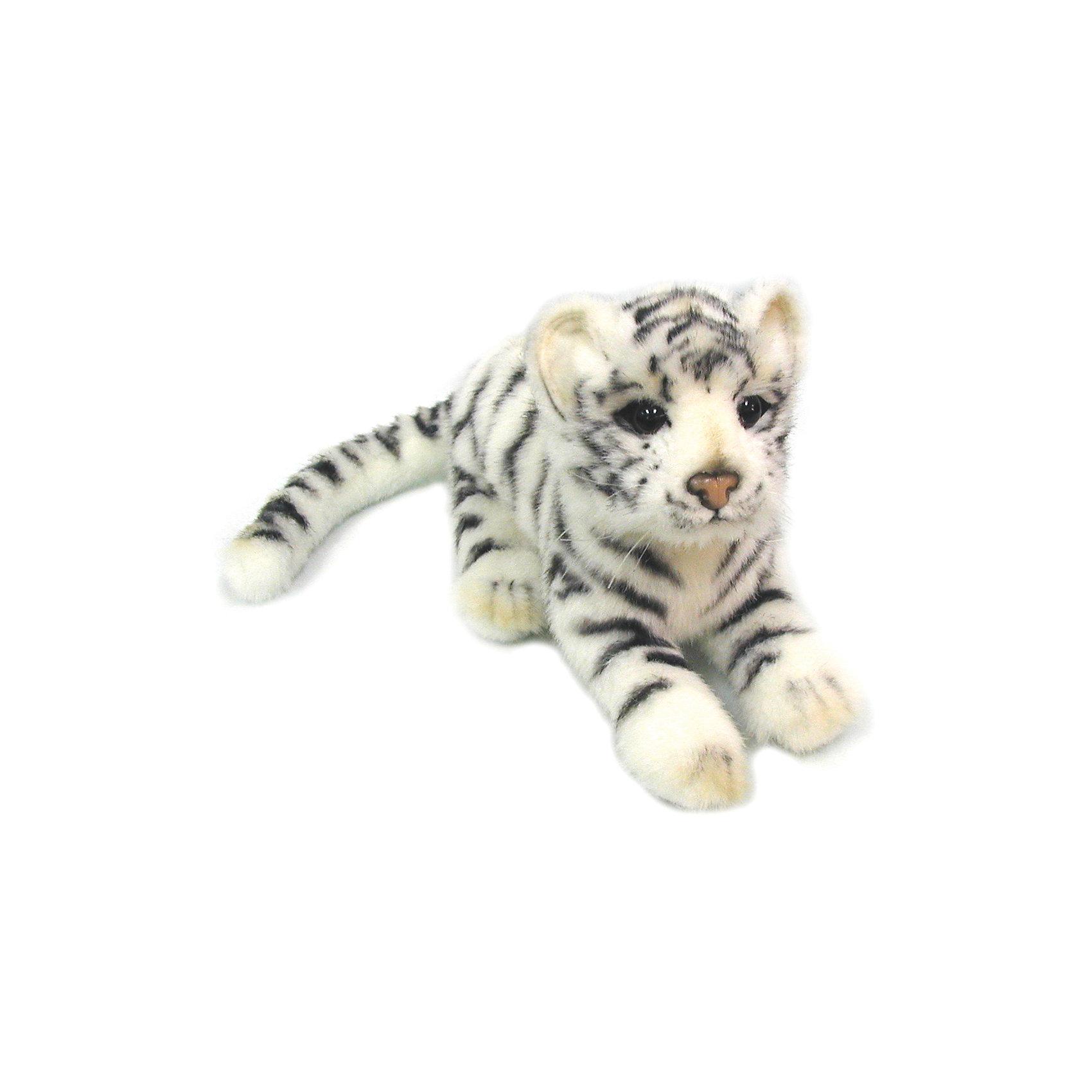 Детеныш белого тигра,  26 смМягкие игрушки животные<br>Детеныш белого тигра,  26 см – игрушка от знаменитого бренда Hansa, специализирующегося на выпуске мягких игрушек с высокой степенью натуралистичности. Внешний вид игрушечного тигренка полностью соответствует реальному прототипу – детенышу бенгальского тигра. Он выполнен из искусственного меха белого цвета с ворсом средней длины и черными полосками. Использованные материалы обладают гипоаллергенными свойствами. Внутри игрушки имеется металлический каркас, позволяющий изменять положение. <br>Игрушка относится к серии Дикие животные. <br>Мягкие игрушки от Hansa подходят для сюжетно-ролевых игр, для обучающих игр, направленных на знакомство с животным миром дикой природы. Кроме того, их можно использовать в качестве интерьерных игрушек. Коллекция из нескольких игрушек позволяет создать свой домашний зоопарк, который будет радовать вашего ребенка долгое время, так как ручная работа и качественные материалы гарантируют их долговечность и прочность.<br><br>Дополнительная информация:<br><br>- Вид игр: сюжетно-ролевые игры, коллекционирование, интерьерные игрушки<br>- Предназначение: для дома, для детских развивающих центров, для детских садов<br>- Материал: искусственный мех, наполнитель ? полиэфирное волокно<br>- Размер (ДхШхВ): 26*16*11 см<br>- Вес: 200 г<br>- Особенности ухода: сухая чистка при помощи пылесоса или щетки для одежды<br><br>Подробнее:<br><br>• Для детей в возрасте: от 3 лет <br>• Страна производитель: Филиппины<br>• Торговый бренд: Hansa<br><br>Детеныш белого тигра,  26 см можно купить в нашем интернет-магазине.<br><br>Ширина мм: 26<br>Глубина мм: 16<br>Высота мм: 11<br>Вес г: 200<br>Возраст от месяцев: 36<br>Возраст до месяцев: 2147483647<br>Пол: Унисекс<br>Возраст: Детский<br>SKU: 4927177