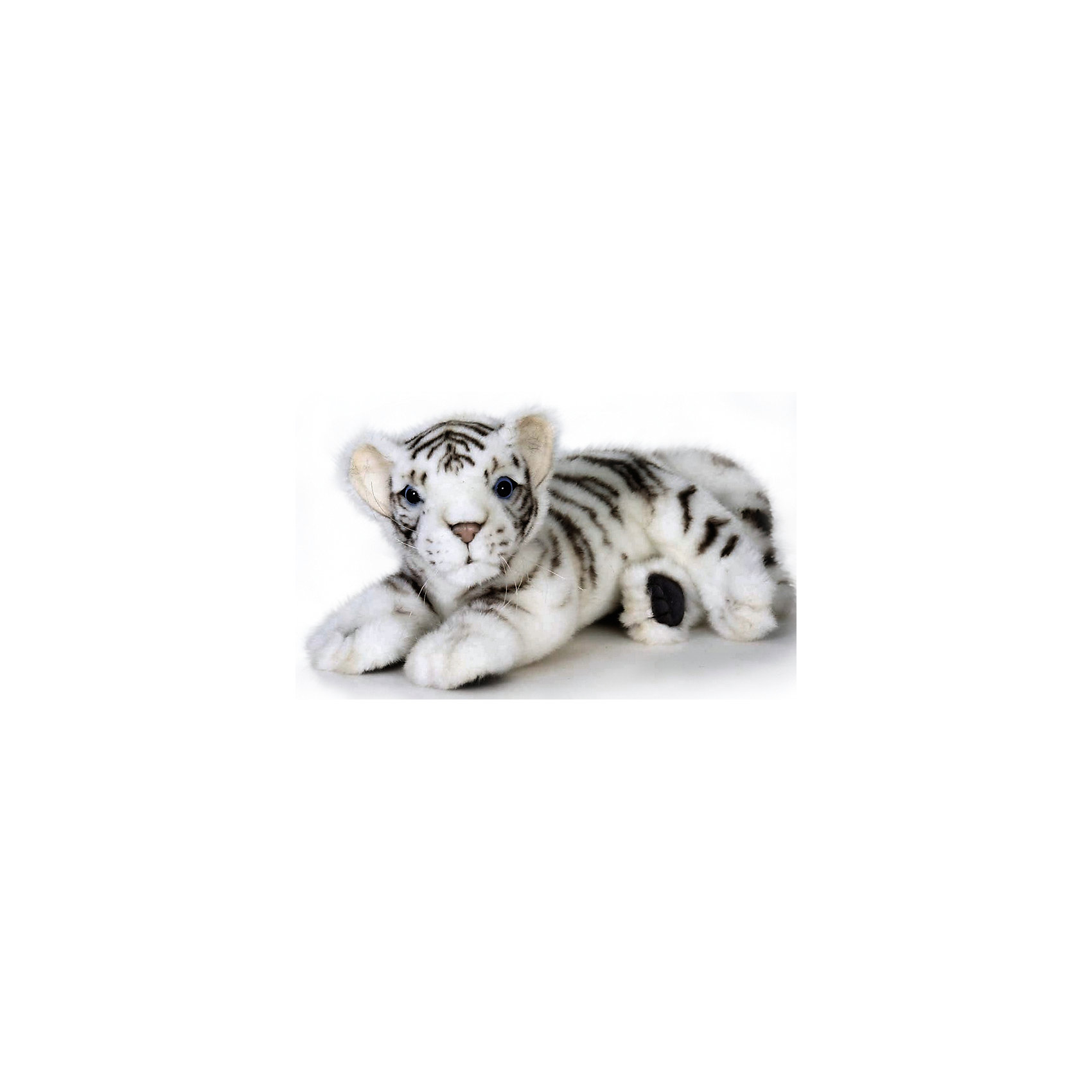 Белый тигренок (лежащий), 26 смБелый тигренок (лежащий), 26 см – игрушка от знаменитого бренда Hansa, специализирующегося на выпуске мягких игрушек с высокой степенью натуралистичности. Внешний вид игрушечного тигренка полностью соответствует реальному прототипу – детенышу бенгальского тигра. Он выполнен из искусственного меха белого цвета с ворсом средней длины и черными полосками. Использованные материалы обладают гипоаллергенными свойствами. Внутри игрушки имеется металлический каркас, позволяющий изменять положение. <br>Игрушка относится к серии Дикие животные. <br>Мягкие игрушки от Hansa подходят для сюжетно-ролевых игр, для обучающих игр, направленных на знакомство с животным миром дикой природы. Кроме того, их можно использовать в качестве интерьерных игрушек. Коллекция из нескольких игрушек позволяет создать свой домашний зоопарк, который будет радовать вашего ребенка долгое время, так как ручная работа и качественные материалы гарантируют их долговечность и прочность.<br><br>Дополнительная информация:<br><br>- Вид игр: сюжетно-ролевые игры, коллекционирование, интерьерные игрушки<br>- Предназначение: для дома, для детских развивающих центров, для детских садов<br>- Материал: искусственный мех, наполнитель ? полиэфирное волокно<br>- Размер (ДхШхВ): 26*14*15 см<br>- Вес: 315 г<br>- Особенности ухода: сухая чистка при помощи пылесоса или щетки для одежды<br><br>Подробнее:<br><br>• Для детей в возрасте: от 3 лет <br>• Страна производитель: Филиппины<br>• Торговый бренд: Hansa<br><br>Белый тигренок (лежащий), 26 см можно купить в нашем интернет-магазине.<br><br>Ширина мм: 26<br>Глубина мм: 14<br>Высота мм: 15<br>Вес г: 315<br>Возраст от месяцев: 36<br>Возраст до месяцев: 2147483647<br>Пол: Унисекс<br>Возраст: Детский<br>SKU: 4927209