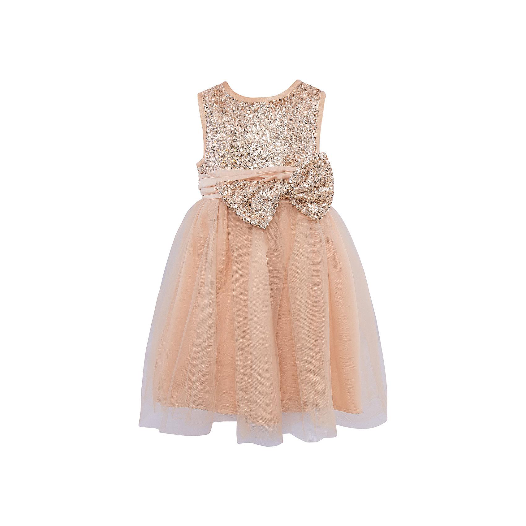 Нарядное платье Sweet BerryОдежда<br>Яркое золотистое платье для девочки торговой марки Sweet Berry станет отличным дополнением к гардеробу маленькой  модницы. Платье изготовлено из полиэстера на подкладке из натурального хлопка, оно мягкое и приятное на ощупь, не сковывает движения и позволяет коже дышать, не раздражает нежную и чувствительную кожу ребенка, обеспечивая  комфорт при носке. Платье с круглым вырезом горловины имеет слегка завышенную линию талии. Модель на спинке застегивается на молнию, что помогает с легкостью переодеть ребенка. Верхняя часть объемной многослойной юбки выполнена из мягкой микросетки.  Верх платья расшит пайетками по всей поверхности. На поясе изделие дополнено съемным бантом, который также украшен пайетками. Такое красивое и яркое платье идеально подойдет для праздничных мероприятий. В нем Ваша девочка будет чувствовать себя стильно и модно, и всегда будет в центре внимания!<br>Инструкция по уходу: бережная стирка в прохладной воде при максимальной температуре 30°С, не отбеливать, гладить при низкой температуре, химчистка запрещена, не сушить в центрифуге.<br><br> Дополнительная информация:<br><br>- комплектация: платье<br>- вид застежки: молния<br>- особенности платья: пышное <br>- цвет: золотистый <br>- материал верх: полиэстер 100% <br>- материал подкладки: хлопок: 100%<br>- назначение: Новый Год<br>- сезон: демисезон<br>- пол: девочки<br><br>Платье торговой марки Sweet Berry  можно купить в нашем интернет-магазине<br><br>Ширина мм: 236<br>Глубина мм: 16<br>Высота мм: 184<br>Вес г: 177<br>Цвет: золотой<br>Возраст от месяцев: 36<br>Возраст до месяцев: 48<br>Пол: Женский<br>Возраст: Детский<br>Размер: 104,110,116,122,128,98<br>SKU: 4927715