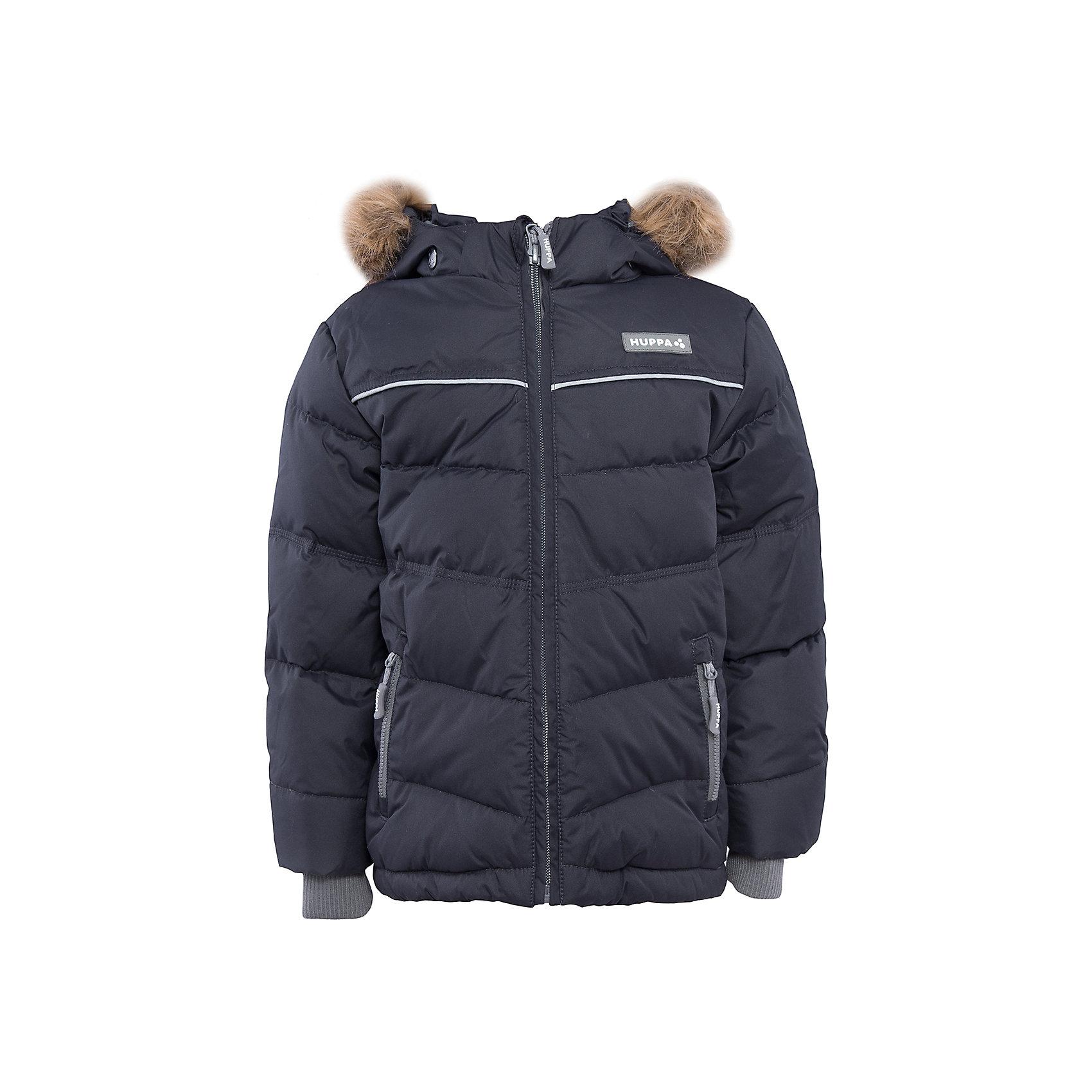Куртка для мальчика HuppaЗимние куртки<br>Утепленная куртка MOODY Huppa(Хуппа).<br><br>Утеплитель: 50% пух, 50% перо.<br><br>Температурный режим: до -30 градусов. Степень утепления – высокая. <br><br>* Температурный режим указан приблизительно — необходимо, прежде всего, ориентироваться на ощущения ребенка. Температурный режим работает в случае соблюдения правила многослойности – использования флисовой поддевы и термобелья.<br><br>Очень теплая и отвечает всем требованиям качества. Плотная мембрана не даст холодному воздуху и воде попасть под одежду и поможет вывести лишнюю влагу. Куртка застегивается на молнию, имеет светоотражающие полоски, вместительные карманы и большой капюшон. Отдельные вязаные манжеты предотвратят попадание снега внутрь. В этой куртке мальчику, несомненно, будет тепло и комфортно!<br><br>Дополнительная информация:<br>Материал: 100% полиэстер<br>Подкладка: тафта - 100% полиэстер<br>Цвет: серый<br><br>Вы можете приобрести куртку MOODY Huppa(Хуппа) в нашем интернет-магазине.<br><br>Ширина мм: 356<br>Глубина мм: 10<br>Высота мм: 245<br>Вес г: 519<br>Цвет: серый<br>Возраст от месяцев: 144<br>Возраст до месяцев: 156<br>Пол: Мужской<br>Возраст: Детский<br>Размер: 158,152,116,98,104,110,122,128,134,140,146<br>SKU: 4928191