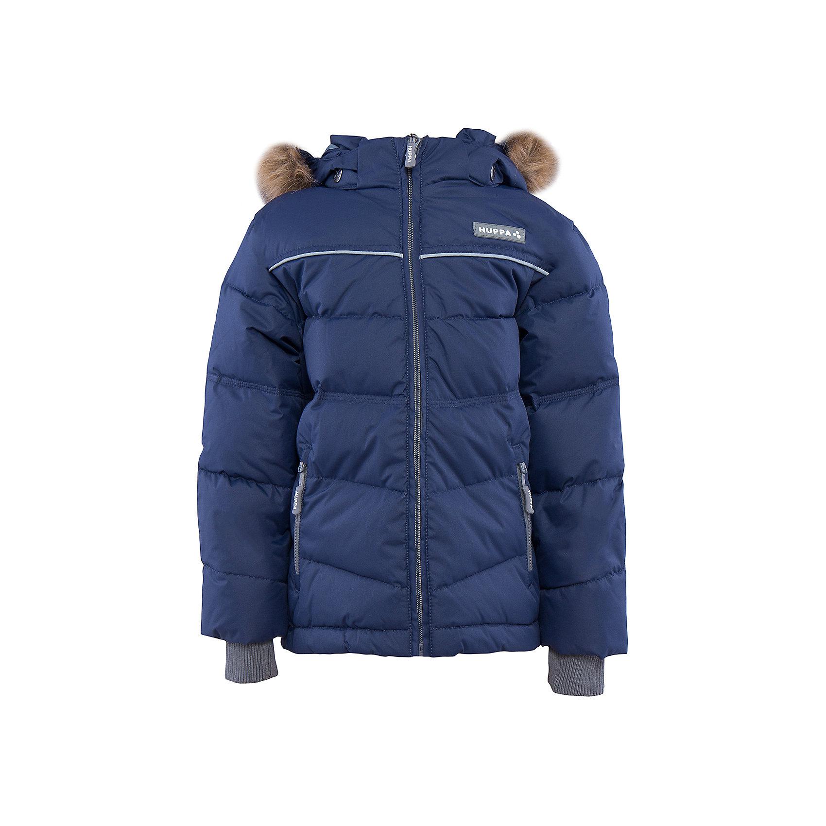 Куртка   для мальчика HuppaВерхняя одежда<br>Утепленная куртка MOODY Huppa(Хуппа).<br><br>Утеплитель: 50% пух, 50% перо.<br><br>Температурный режим: до -30 градусов. Степень утепления – высокая. <br><br>* Температурный режим указан приблизительно — необходимо, прежде всего, ориентироваться на ощущения ребенка. Температурный режим работает в случае соблюдения правила многослойности – использования флисовой поддевы и термобелья.<br><br>Очень теплая и отвечает всем требованиям качества. Плотная мембрана не даст холодному воздуху и воде попасть под одежду и поможет вывести лишнюю влагу. Куртка застегивается на молнию, имеет светоотражающие полоски, вместительные карманы и большой капюшон. Отдельные вязаные манжеты предотвратят попадание снега внутрь. В этой куртке мальчику, несомненно, будет тепло и комфортно!<br><br>Дополнительная информация:<br>Материал: 100% полиэстер<br>Подкладка: тафта - 100% полиэстер<br>Цвет: синий<br><br>Вы можете приобрести куртку MOODY Huppa(Хуппа) в нашем интернет-магазине.<br><br>Ширина мм: 356<br>Глубина мм: 10<br>Высота мм: 245<br>Вес г: 519<br>Цвет: синий<br>Возраст от месяцев: 24<br>Возраст до месяцев: 36<br>Пол: Мужской<br>Возраст: Детский<br>Размер: 98,158,152,146,140,134,128,122,116,110,104<br>SKU: 4928203