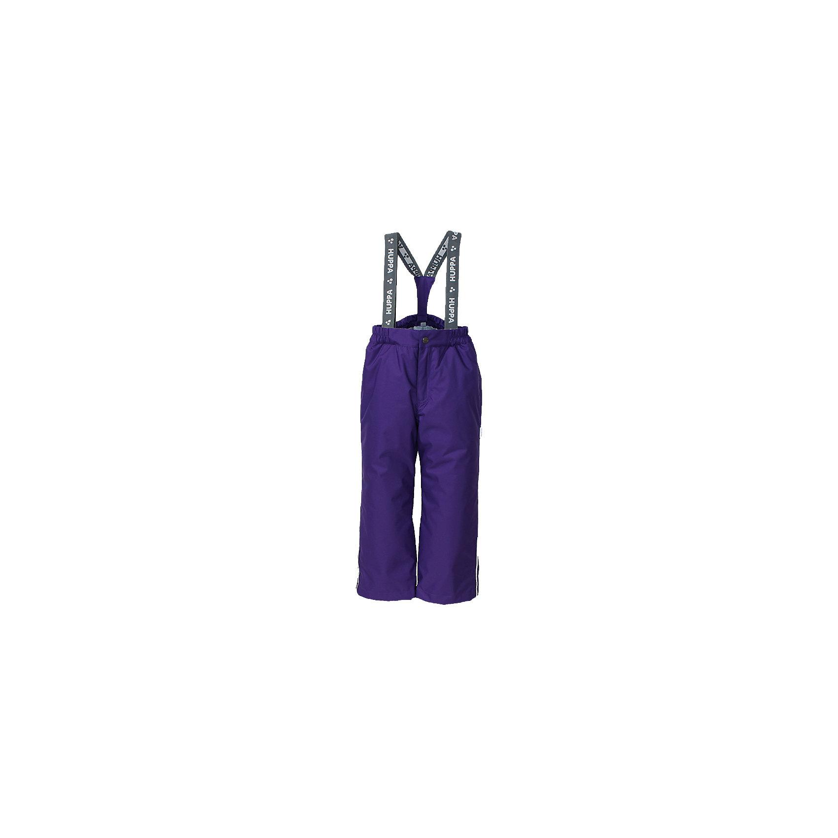 Брюки    HuppaВерхняя одежда<br>Утепленные брюки FREJA Huppa(Хуппа).<br><br>Утеплитель: 100% полиэстер, 160 гр.<br><br>Температурный режим: до -20 градусов. Степень утепления – средняя. <br><br>* Температурный режим указан приблизительно — необходимо, прежде всего, ориентироваться на ощущения ребенка. Температурный режим работает в случае соблюдения правила многослойности – использования флисовой поддевы и термобелья.<br><br>Не пропускают влагу и ветер, благодаря мембране, расположенный с изнанки. Легкий утеплитель HuppaTherm легко стирать, он быстро возвращает форму после стирки и легко сохнет. Брюки хорошо держатся на теле благодаря резинке на поясе и регулируемым подтяжкам с липучками; их легко надевать и застегивать с помощью кнопки и молнии. Отлично подойдут для зимних прогулок!<br><br>Особенности:<br>-прочная ткань<br>-двойные манжеты<br>-брюки не сковывают движений<br>-светоотражающие элементы<br>-шаговый шов проклеен<br><br>Дополнительная информация:<br>Материал: 100% полиэстер<br>Подкладка: тафта - 100% полиэстер<br>Цвет: лиловый<br><br>Вы можете приобрести брюки FREJA Huppa(Хуппа) в нашем интернет-магазине.<br><br>Ширина мм: 215<br>Глубина мм: 88<br>Высота мм: 191<br>Вес г: 336<br>Цвет: лиловый<br>Возраст от месяцев: 36<br>Возраст до месяцев: 48<br>Пол: Унисекс<br>Возраст: Детский<br>Размер: 104,110,116,122,128,134,140<br>SKU: 4928351