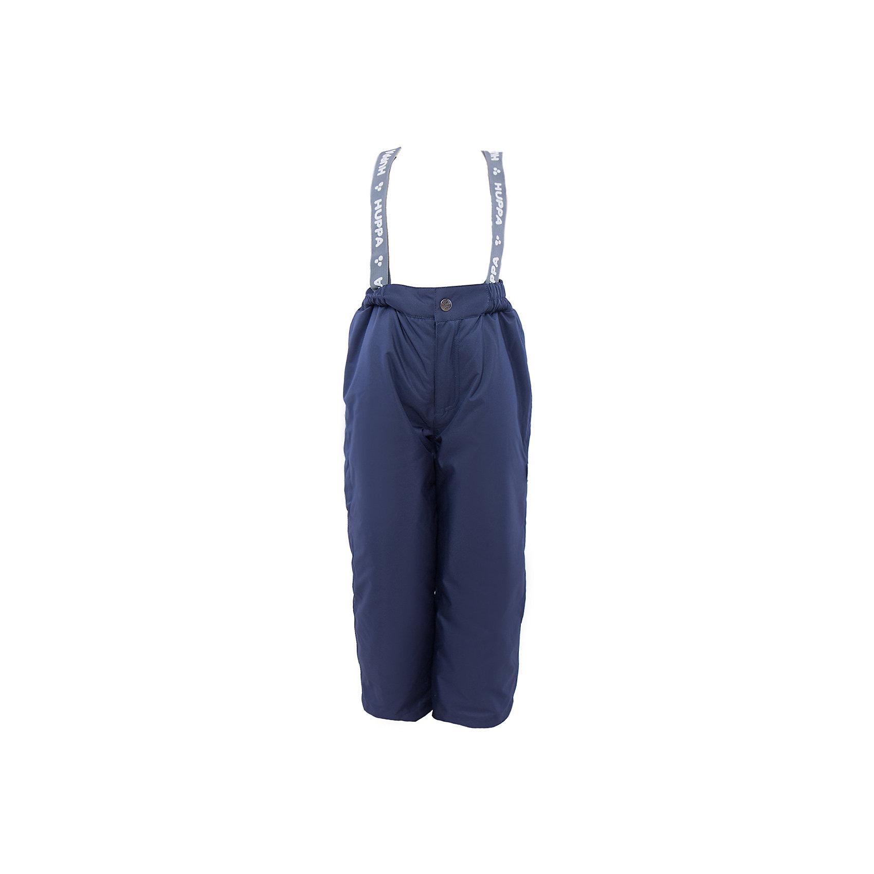 Брюки    HuppaВерхняя одежда<br>Утепленные брюки FREJA Huppa(Хуппа).<br><br>Утеплитель: 100% полиэстер, 160 гр.<br><br>Температурный режим: до -20 градусов. Степень утепления – средняя. <br><br>* Температурный режим указан приблизительно — необходимо, прежде всего, ориентироваться на ощущения ребенка. Температурный режим работает в случае соблюдения правила многослойности – использования флисовой поддевы и термобелья.<br><br>Не пропускают влагу и ветер, благодаря мембране, расположенной с изнанки. Легкий утеплитель HuppaTherm легко стирать, он быстро возвращает форму после стирки и легко сохнет. Брюки хорошо держатся на теле благодаря резинке на поясе и регулируемым подтяжкам с липучками; их легко надевать и застегивать с помощью кнопки и молнии. Отлично подойдут для зимних прогулок!<br><br>Особенности:<br>-прочная ткань<br>-двойные манжеты<br>-брюки не сковывают движений<br>-светоотражающие элементы<br>-шаговый шов проклеен<br><br>Дополнительная информация:<br>Материал: 100% полиэстер<br>Подкладка: тафта - 100% полиэстер<br>Цвет: темно-синий<br><br>Вы можете приобрести брюки FREJA Huppa(Хуппа) в нашем интернет-магазине.<br><br>Ширина мм: 215<br>Глубина мм: 88<br>Высота мм: 191<br>Вес г: 336<br>Цвет: синий<br>Возраст от месяцев: 36<br>Возраст до месяцев: 48<br>Пол: Унисекс<br>Возраст: Детский<br>Размер: 122,128,134,104,140,110,116<br>SKU: 4928367
