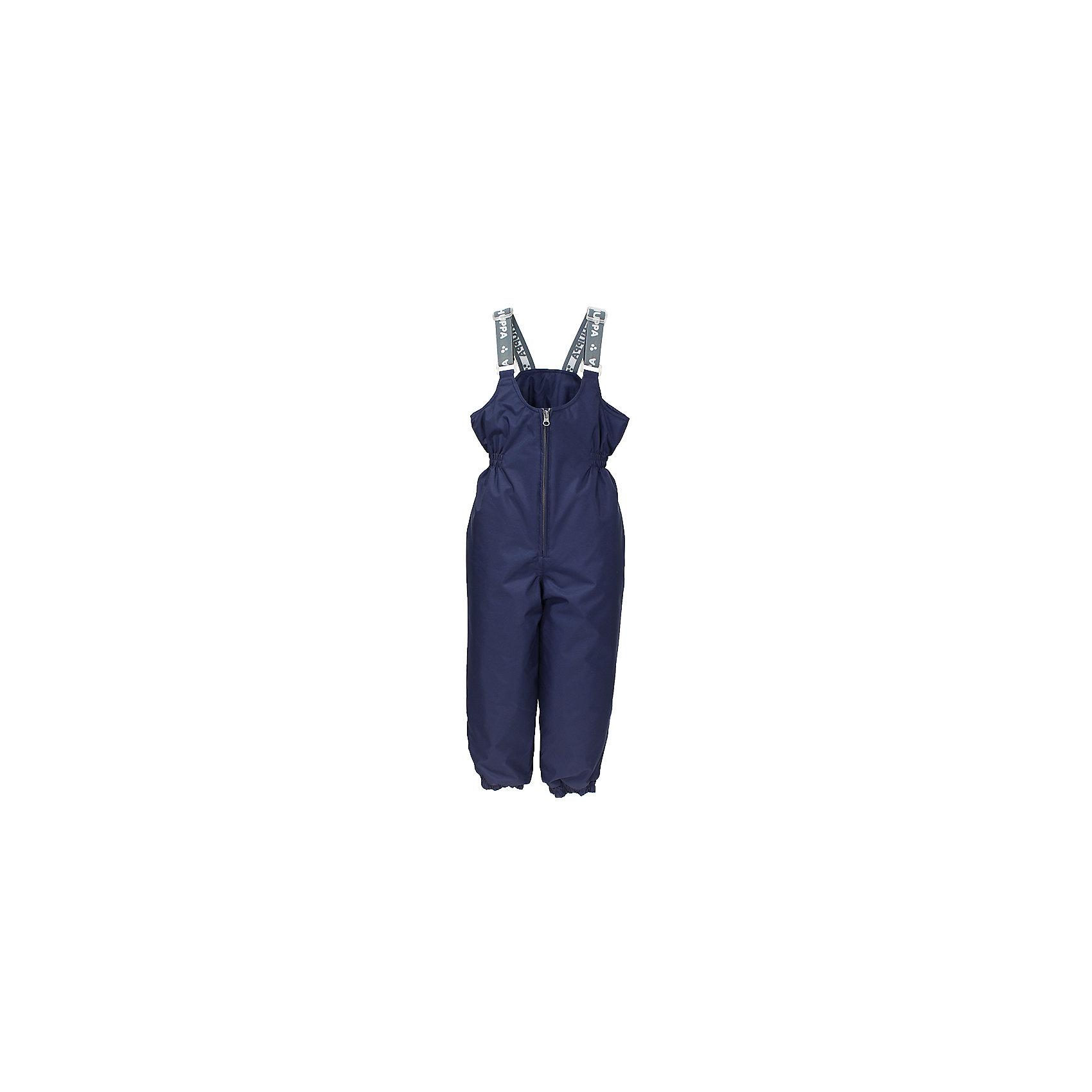 Брюки для мальчика HuppaВерхняя одежда<br>Утепленные брюки FUNNY Huppa(Хуппа).<br><br>Утеплитель: 100% полиэстер, 160 гр.<br><br>Температурный режим: до -20 градусов. Степень утепления – средняя. <br><br>* Температурный режим указан приблизительно — необходимо, прежде всего, ориентироваться на ощущения ребенка. Температурный режим работает в случае соблюдения правила многослойности – использования флисовой поддевы и термобелья.<br><br>Изготовлены из прочных и качественных материалов. Они прекрасно подойдут для зимних прогулок и активного отдыха.<br><br>Особенности:<br>-утеплитель HuppaTherm легко восстанавливается в объеме. Его легко стирать и сушить<br>-специальная дышащая мембрана не пропустит воду и ветер под одежду<br>-проклейка швов водостойкой лентой<br>-резинка на талии и манжетах помогут брюкам хорошо держаться на теле<br>-регулируемые подтяжки<br>-светоотражающие элементы для обеспечения безопасности в темное время суток<br><br>Дополнительная информация:<br>Цвет: темно-синий<br>Материал: 100% полиэстер<br>Подкладка: тафта - 100% полиэстер<br><br>Брюки FUNNY Huppa(Хуппа) можно купить в нашем интернет-магазине.<br><br>Ширина мм: 215<br>Глубина мм: 88<br>Высота мм: 191<br>Вес г: 336<br>Цвет: синий<br>Возраст от месяцев: 18<br>Возраст до месяцев: 24<br>Пол: Мужской<br>Возраст: Детский<br>Размер: 92,104,110,116,122,128,134,140,98,80,86<br>SKU: 4928423