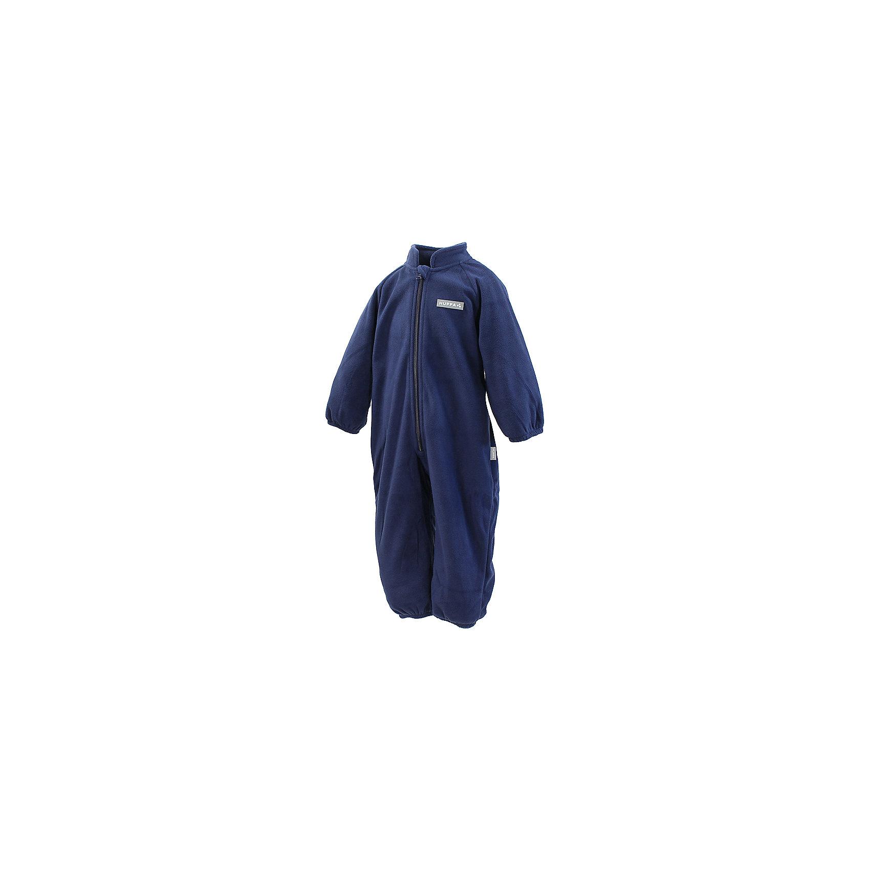Комбинезон флисовый для мальчика HuppaФлисовый комбинезон ROLAND Huppa(Хуппа) имеет высокий воротник и застегивается на молнию. На манжетах есть резинки, надежно защищающие малыша от попадания ветра под одежду. Комбинезон достаточно теплый и отлично подойдет в качестве промежуточного слоя в одежде в зимнее время или как верхняя одежда весной-осенью.<br><br>Дополнительная информация:<br>Материал: 100% полиэстер<br>Цвет: темно-синий<br><br>Флисовый комбинезон ROLAND Huppa(Хуппа) вы можете приобрести в нашем интернет-магазине.<br><br>Ширина мм: 190<br>Глубина мм: 74<br>Высота мм: 229<br>Вес г: 236<br>Цвет: синий<br>Возраст от месяцев: 72<br>Возраст до месяцев: 84<br>Пол: Мужской<br>Возраст: Детский<br>Размер: 122,86,104,110,116,92,98,74,80<br>SKU: 4928567