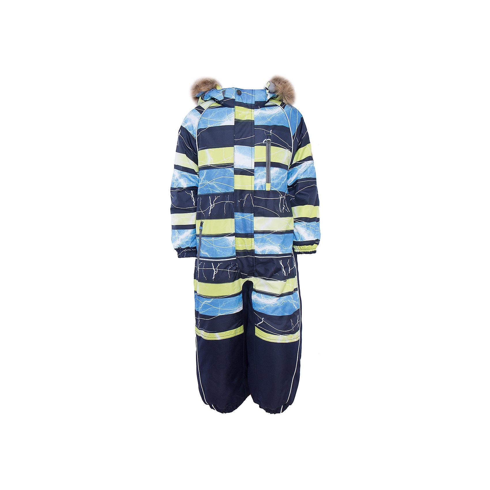 Комбинезон  для мальчика HuppaКомбинезон FENNO Huppa(Хуппа).<br><br>Утеплитель: 100% полиэстер, 300 гр.<br><br>Температурный режим: до -30 градусов. Степень утепления – высокая. <br><br>* Температурный режим указан приблизительно — необходимо, прежде всего, ориентироваться на ощущения ребенка. Температурный режим работает в случае соблюдения правила многослойности – использования флисовой поддевы и термобелья.<br><br>Отлично подойдет для активного отдыха в зимнее время. Комбинезон с дышащей водоотталкивающей поверхностью и мягкой подкладкой идеально сидит по фигуре, благодаря резинкам на манжетах и талии. С этим комбинезоном ребенок смело может играть в сугробах, не боясь замерзнуть и промокнуть!<br><br>Особенности:<br>-утеплитель HuppaTherm<br>-съемный капюшон с отстегивающимся мехом<br>-наружный и внутренний карман на молнии<br>-светоотражающие элементы<br>-шаговый шов, внутренние и боковые швы проклеены<br><br>Дополнительная информация:<br>Материал: 100% полиэстер<br>Подкладка: тафта, флис - 100% полиэстер<br>Цвет: синий/темно-синий/лайм<br><br>Вы можете приобрести комбинезон FENNO Huppa(Хуппа) в нашем интернет-магазине.<br><br>Ширина мм: 356<br>Глубина мм: 10<br>Высота мм: 245<br>Вес г: 519<br>Цвет: зеленый<br>Возраст от месяцев: 18<br>Возраст до месяцев: 24<br>Пол: Мужской<br>Возраст: Детский<br>Размер: 92,134,128,122,116,110,104,98<br>SKU: 4928701
