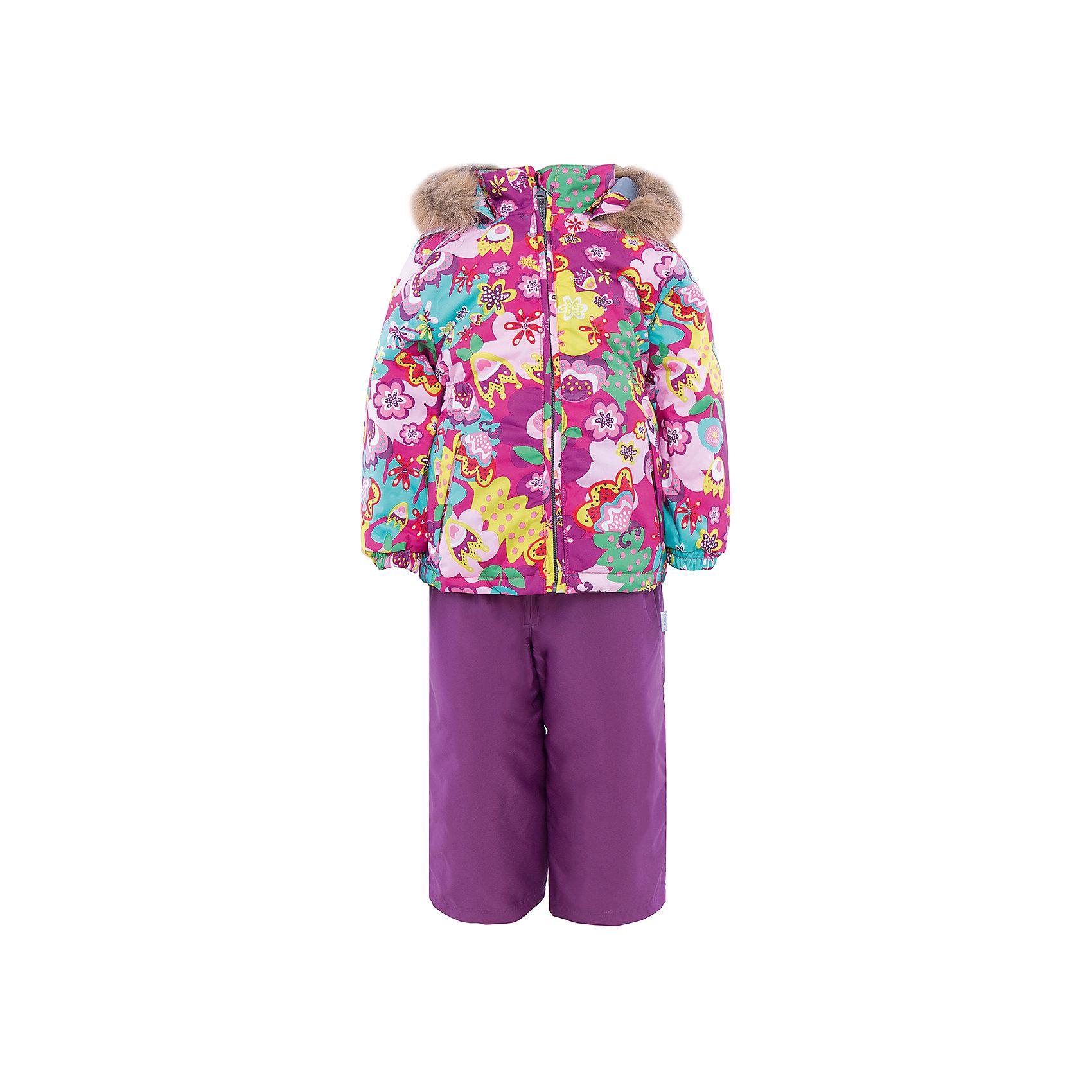Комплект   для девочки HuppaЗимний комплект WONDER Huppa(Хуппа) состоит из  полукомбинезона и куртки. <br><br>Утеплитель: 100% полиэстер. Куртка – 300 гр., полукомбинезон – 160 гр.<br><br>Температурный режим: до -30 градусов. Степень утепления – высокая. <br><br>* Температурный режим указан приблизительно — необходимо, прежде всего, ориентироваться на ощущения ребенка. Температурный режим работает в случае соблюдения правила многослойности – использования флисовой поддевы и термобелья.<br><br>Яркая зимняя куртка с необычным дизайном изготовлена из качественных и прочных материалов. Резинки на рукавах помогут избежать попадания снега под одежду. Специальная мембрана не даст воде и холодному воздуху проникнуть под одежду и поможет избавиться от лишней влаги, выделяемой телом. Брюки на подтяжках имеют резинки на талии и манжетах. В комплекте Huppa ребенку будет тепло и комфортно!<br><br>Дополнительная информация:<br>Съемный капюшон (мех не отстегивается)<br>Шаговый шов проклеен<br>Материал: 100% полиэстер<br>Подкладка: тафта - 100% полиэстер, флис - 100% полиэстер<br>Цвет: лиловый/розовый<br><br>Комплект WONDER Huppa(Хуппа) можно приобрести в нашем интернет-магазине.<br><br>Ширина мм: 356<br>Глубина мм: 10<br>Высота мм: 245<br>Вес г: 519<br>Цвет: розовый<br>Возраст от месяцев: 72<br>Возраст до месяцев: 84<br>Пол: Женский<br>Возраст: Детский<br>Размер: 122,110,104,98,92,116,140,134,128<br>SKU: 4928872