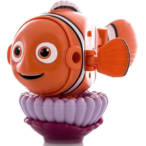 Яйцо-трансформер Немо, В поиска Дори, EggStarsФигурки из мультфильмов<br>Характеристики:<br><br>• тип игрушки: трансформер;<br>• возраст: от 3 лет;<br>• размер: 8х6х17 см;<br>• комплектация: 1 яйцо-трансформер;<br>• материал: пластик;<br>• упаковка: блистер;<br>• бренд: Bandai;<br>• страна производства: Китай.<br><br>Яйцо-трансформер «Немо. В поисках Дори», EggStars – это уникальная игрушка-трансформер, превращающаяся в любимого героя нового полнометражного анимационного фильма для детей - отличный подарок для всех поклонников этой чудесной сказки. Рыбка-клоун по имени Немо – один из главных персонажей мультфильма, он полюбился не только детям, но и взрослым зрителям.<br><br>Игрушка, выполненная в виде этого героя в несколько шагов складывается в гладкое яйцо. Малыш сможет собирать и разбирать игрушку самостоятельно, в игровой форме получая навыки простой трансформации одного предмета в другой, тренируя моторику пальчиков, совершенствуя логическое мышление и память. <br><br>Небольшие размеры игрушки позволяют брать её с собой и играть в любое свободное время, скрасить скучное время в длительной дороге или же собрать целую коллекцию персонажей мультфильма «В поисках Дори». Кроме того, с игрушкой трансформером в режиме рыбки можно играть как с обычной фигуркой. В набор также входит подставка для игрушки.<br><br>Яйцо-трансформер «Немо. В поисках Дори», EggStars можно купить в нашем интернет-магазине.<br>Ширина мм: 80; Глубина мм: 55; Высота мм: 170; Вес г: 65; Возраст от месяцев: 48; Возраст до месяцев: 144; Пол: Унисекс; Возраст: Детский; SKU: 4929052;