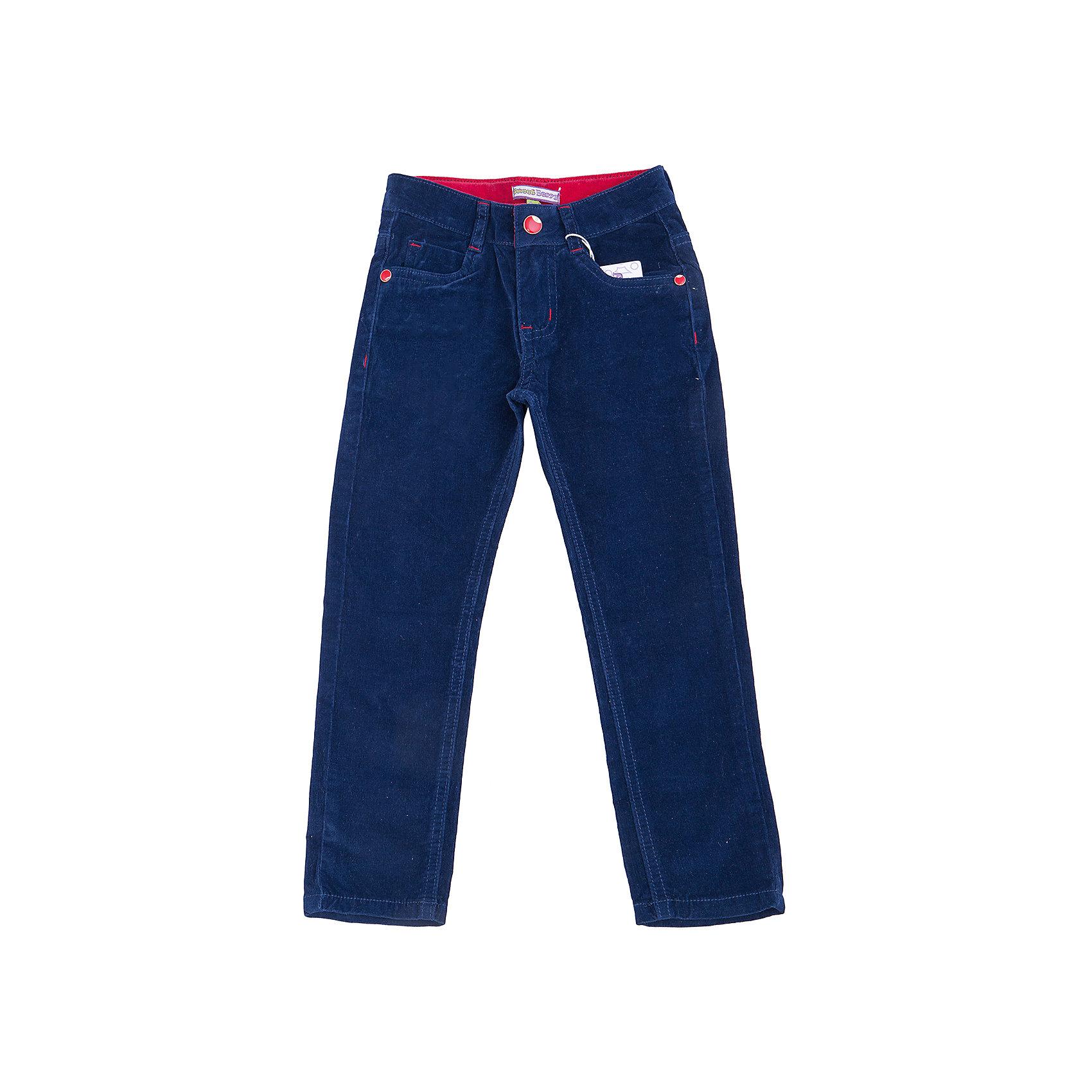 Брюки для девочки Sweet BerryПлотные однотонные темно-синие вельветовые брюки для девочки торговой марки Sweet Berry идеально подойдут вашей девочке для отдыха и прогулок. Изготовленные из эластичного хлопка, они необычайно мягкие и приятные на ощупь, не сковывают движения и позволяют коже дышать, не раздражают нежную и чувствительную кожу ребенка, обеспечивая ему  комфорт. Брюки прямого покроя на талии застегиваются на металлическую пуговицу и имеют ширинку на застежке-молнии и шлевки для ремня. С внутренней стороны пояс регулируется эластичной резинкой на пуговицах. Спереди предусмотрены два втачных кармана и маленький накладной кармашек, а сзади - два накладных кармана. Оформлено изделие нашивкой, фигурными прострочками и металлическими клепками . Современный дизайн и расцветка делают эти брюки модным и стильным предметом детского гардероба. В них ваша маленькая модница всегда будет в центре внимания!<br>Инструкция по уходу: стирка при температуре до 30°C, гладить при низкой температуре, не отбеливать, химчистка запрещена.<br><br> Дополнительная информация:<br><br>- комплектация : брюки для девочек<br>- материал : 98% хлопок, 2% эластан<br>- коллекция: осень-зима 2016<br>- сезон: зима<br>- пол: для девочек<br>- возраст: детский<br>- цвет: темно-синий. <br>- размер упаковки (дхшхв), 25 * 20 * 5 см<br>- вес в упаковке, 265 г<br><br>Брюки для девочки торговой марки Sweet Berry можно купить в нашем интернет-магазине<br><br>Ширина мм: 215<br>Глубина мм: 88<br>Высота мм: 191<br>Вес г: 336<br>Цвет: синий<br>Возраст от месяцев: 24<br>Возраст до месяцев: 36<br>Пол: Женский<br>Возраст: Детский<br>Размер: 98,104,110,116,122,128<br>SKU: 4929408