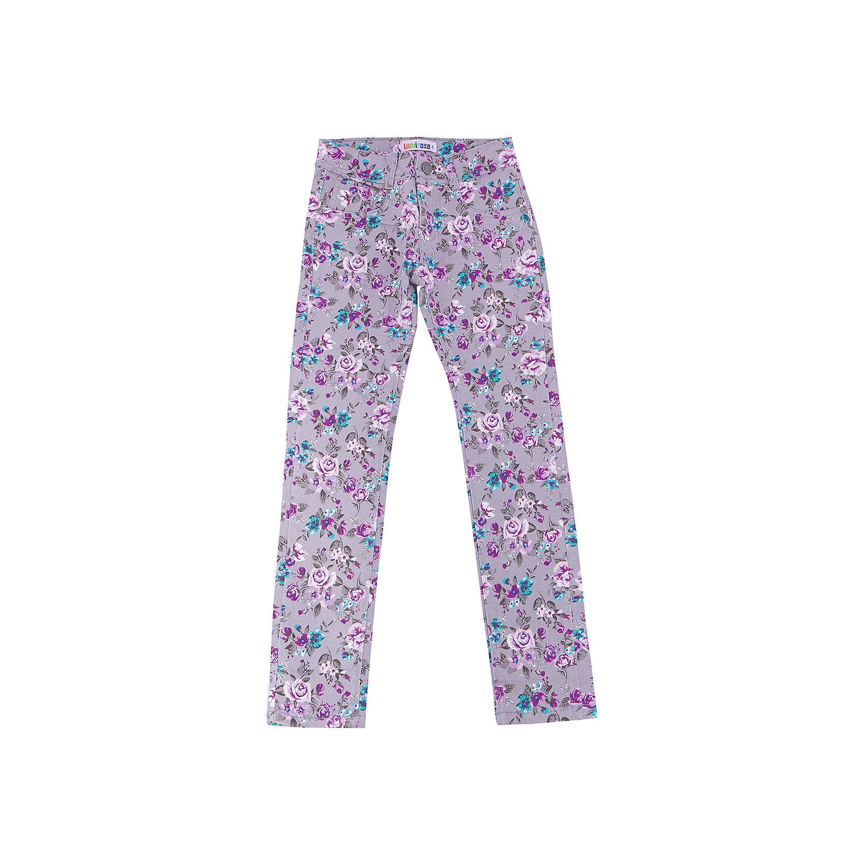 Брюки для девочки LuminosoХарактеристики товара:<br><br>- цвет: разноцветный;<br>- материал: 98% хлопок, 2% эластан;<br>- эластичный твил;<br>- застежка: пуговица и молния;<br>- пояс регулируется внутренней резинкой на пуговицах;<br>- шлевки для ремня.<br><br>Стильная одежда от бренда Luminoso (Люминосо), созданная при участии итальянских дизайнеров, учитывает потребности подростков и последние веяния моды. Она удобная и модная.<br>Эти брюки выглядят стильно и нарядно, но при этом подходят для ежедневного ношения. Они хорошо сидят на ребенке, обеспечивают комфорт и отлично сочетаются с одежной разных стилей. Модель отличается высоким качеством материала и продуманным дизайном. Натуральный хлопок в составе изделия делает его дышащим, приятным на ощупь и гипоаллергеным.<br><br>Брюки для девочки от бренда Luminoso (Люминосо) можно купить в нашем интернет-магазине.<br><br>Ширина мм: 215<br>Глубина мм: 88<br>Высота мм: 191<br>Вес г: 336<br>Цвет: серый<br>Возраст от месяцев: 96<br>Возраст до месяцев: 108<br>Пол: Женский<br>Возраст: Детский<br>Размер: 134,140,146,152,158,164<br>SKU: 4929528