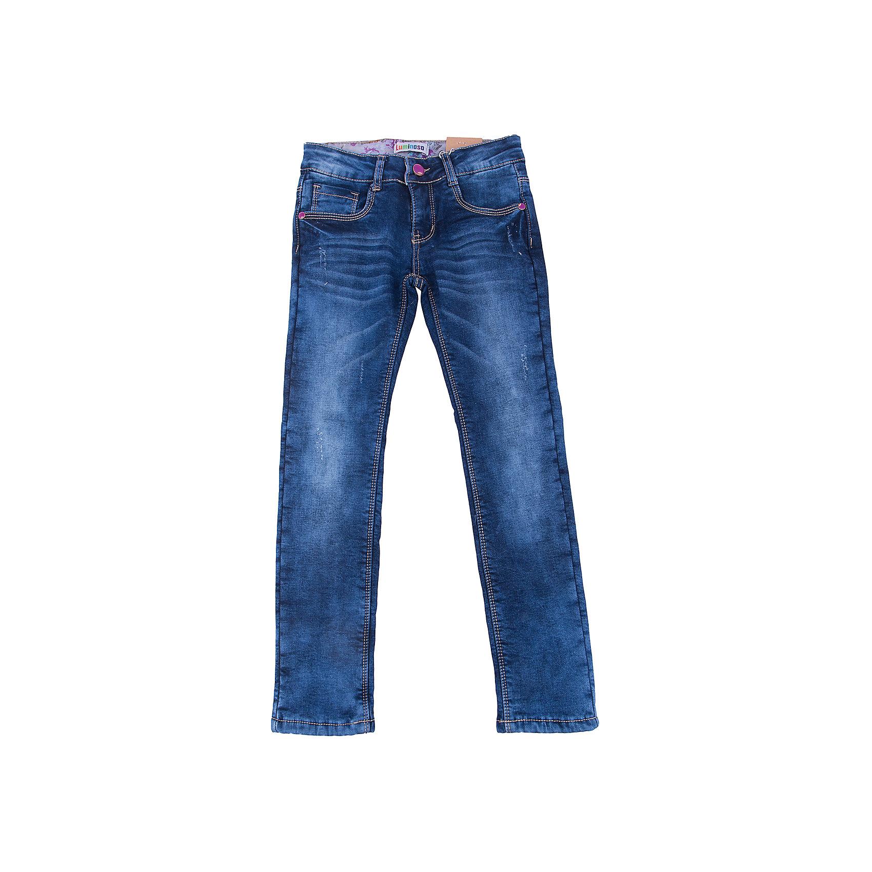 Джинсы для девочки LuminosoДжинсовая одежда<br>Характеристики товара:<br><br>- цвет: синий;<br>- материал: 98% хлопок, 2% эластан, подкладка - 100% полиэстер;<br>- подкладка из флиса;<br>- застежка: пуговица и молния;<br>- пояс регулируется внутренней резинкой на пуговицах;<br>- эффект потертостей.<br><br>Стильная одежда от бренда Luminoso (Люминосо), созданная при участии итальянских дизайнеров, учитывает потребности подростков и последние веяния моды. Она удобная и модная.<br>Эти классические утепленные джинсы выглядят стильно, но при этом подходят для ежедневного ношения. Они хорошо сидят на ребенке, обеспечивают комфорт и отлично сочетаются с одежной разных стилей. Модель отличается высоким качеством материала и продуманным дизайном. Натуральный хлопок в составе изделия делает его дышащим, приятным на ощупь и гипоаллергеным.<br><br>Джинсы для девочки от бренда Luminoso (Люминосо) можно купить в нашем интернет-магазине.<br><br>Ширина мм: 215<br>Глубина мм: 88<br>Высота мм: 191<br>Вес г: 336<br>Цвет: синий<br>Возраст от месяцев: 120<br>Возраст до месяцев: 132<br>Пол: Женский<br>Возраст: Детский<br>Размер: 146,152,158,164,134,140<br>SKU: 4929556