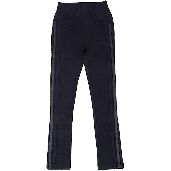 Брюки для девочки LuminosoЛеггинсы<br>Характеристики товара:<br><br>- цвет: черный;<br>- материал: 65% хлопок, 30% полиэстр, 5% эластан;<br>- трикотаж;<br>- отделка по бокам из декоративной тесьмы;<br>- мягкая резинка в поясе.<br><br>Стильная одежда от бренда Luminoso (Люминосо), созданная при участии итальянских дизайнеров, учитывает потребности подростков и последние веяния моды. Она удобная и модная.<br>Эти стильные брюки подходят для ежедневного ношения. Они хорошо сидят на ребенке, обеспечивают комфорт и отлично сочетаются с одежной разных стилей. Модель отличается высоким качеством материала и продуманным дизайном. Натуральный хлопок в составе изделия делает его дышащим, приятным на ощупь и гипоаллергеным.<br><br>Брюки для девочки от бренда Luminoso (Люминосо) можно купить в нашем интернет-магазине.<br>Ширина мм: 215; Глубина мм: 88; Высота мм: 191; Вес г: 336; Цвет: черный; Возраст от месяцев: 108; Возраст до месяцев: 120; Пол: Женский; Возраст: Детский; Размер: 140,164,134,146,152,158; SKU: 4929654;