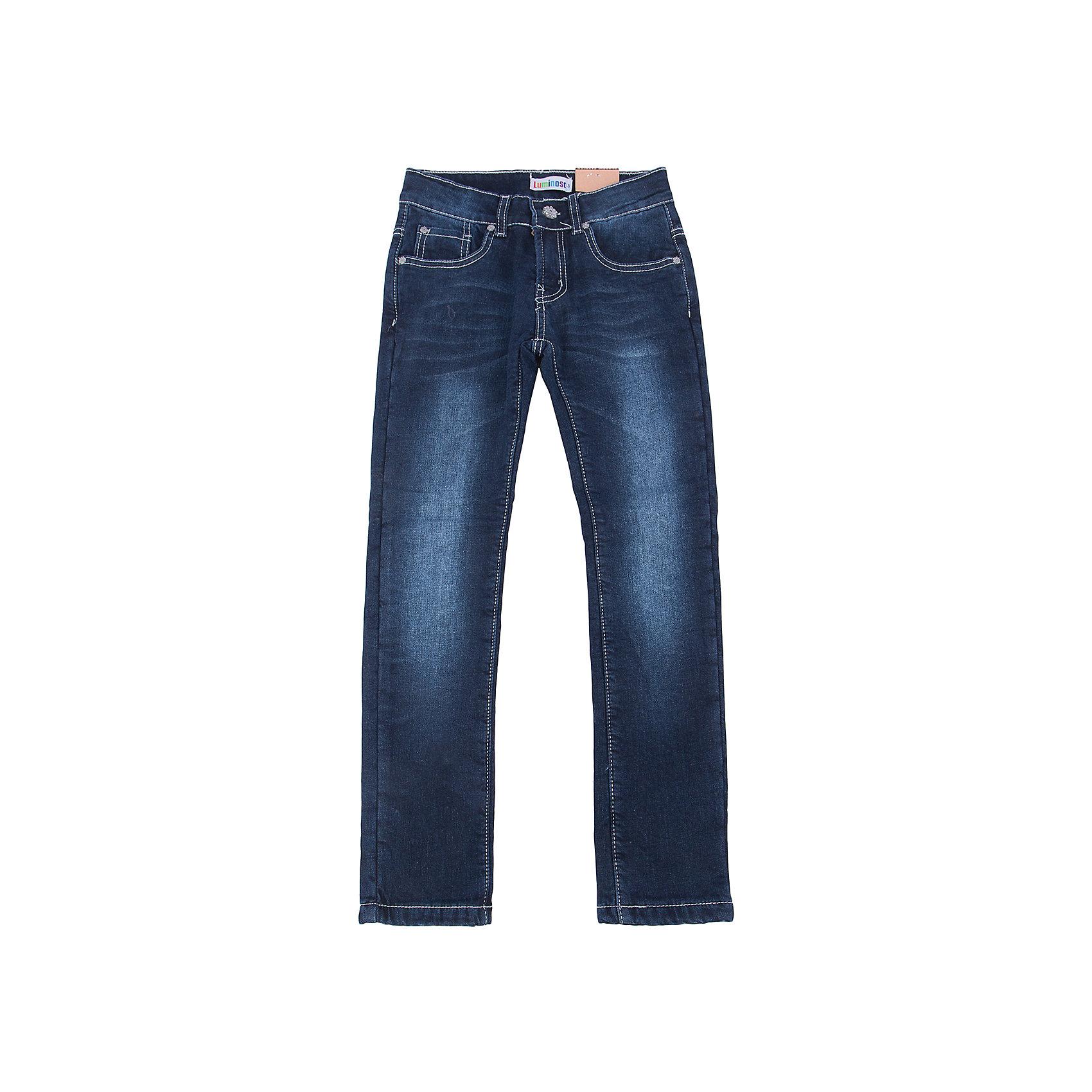 Джинсы для девочки LuminosoХарактеристики товара:<br><br>- цвет: синий;<br>- материал: 98% хлопок, 2% эластан, подкладка - 100% полиэстер;<br>- застежка: пуговица и молния;<br>- пояс регулируется внутренней резинкой на пуговицах;<br>- эффект потертостей.<br><br>Стильная одежда от бренда Luminoso (Люминосо), созданная при участии итальянских дизайнеров, учитывает потребности подростков и последние веяния моды. Она удобная и модная.<br>Эти классические джинсы выглядят стильно, но при этом подходят для ежедневного ношения. Они хорошо сидят на ребенке, обеспечивают комфорт и отлично сочетаются с одежной разных стилей. Модель отличается высоким качеством материала и продуманным дизайном. Натуральный хлопок в составе изделия делает его дышащим, приятным на ощупь и гипоаллергеным.<br><br>Джинсы для девочки от бренда Luminoso (Люминосо) можно купить в нашем интернет-магазине.<br><br>Ширина мм: 215<br>Глубина мм: 88<br>Высота мм: 191<br>Вес г: 336<br>Цвет: синий<br>Возраст от месяцев: 156<br>Возраст до месяцев: 168<br>Пол: Женский<br>Возраст: Детский<br>Размер: 164,134,140,146,152,158<br>SKU: 4929731