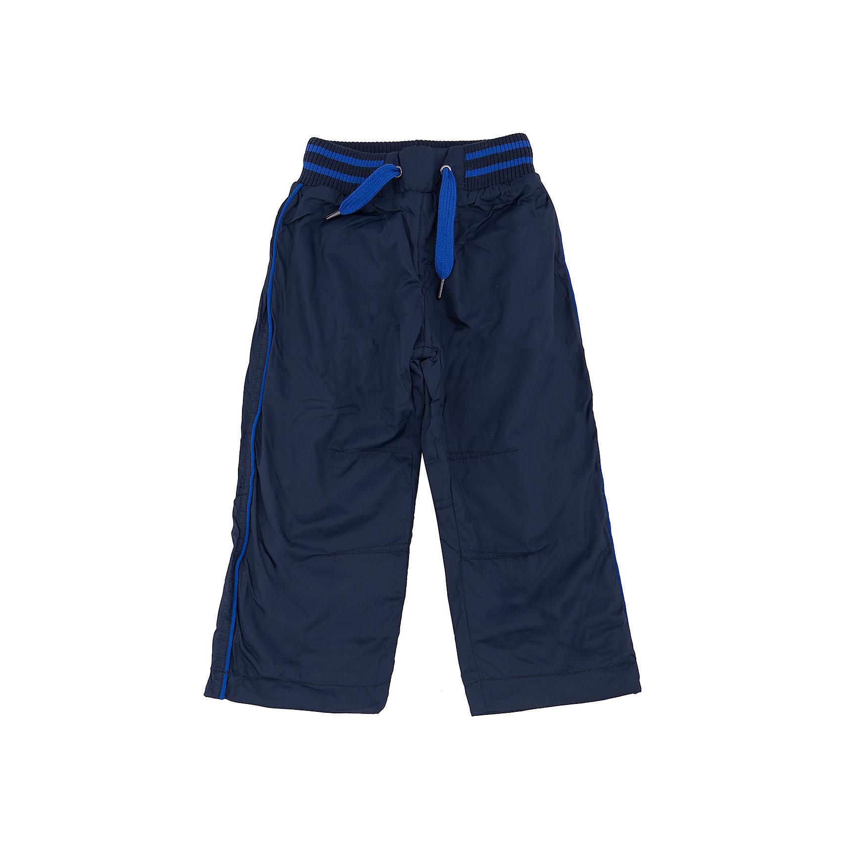 Брюки для мальчика Sweet BerryДжинсы и брючки<br>Такая модель брюк для мальчика отличается теплой подкладкой и непромокаемым верхом. Удачный крой обеспечит ребенку комфорт и тепло. Мягкая и теплая подкладка делает вещь идеальной для прохладной погоды. Она плотно прилегает к телу там, где нужно, и отлично сидит по фигуре. Брюки имеют резинку и шнурок на талии. <br>Одежда от бренда Sweet Berry - это простой и выгодный способ одеть ребенка удобно и стильно. Всё изделия тщательно проработаны: швы - прочные, материал - качественный, фурнитура - подобранная специально для детей. <br><br>Дополнительная информация:<br><br>цвет: синий;<br>резинка и шнурок на талии;<br>материал: верх - 100% нейлон, подкладка - 100% полиэстер;<br>непромокаемый верх.<br><br>Брюки для мальчика от бренда Sweet Berry можно купить в нашем интернет-магазине.<br><br>Ширина мм: 215<br>Глубина мм: 88<br>Высота мм: 191<br>Вес г: 336<br>Цвет: синий<br>Возраст от месяцев: 24<br>Возраст до месяцев: 36<br>Пол: Мужской<br>Возраст: Детский<br>Размер: 98,80,86,92<br>SKU: 4929927