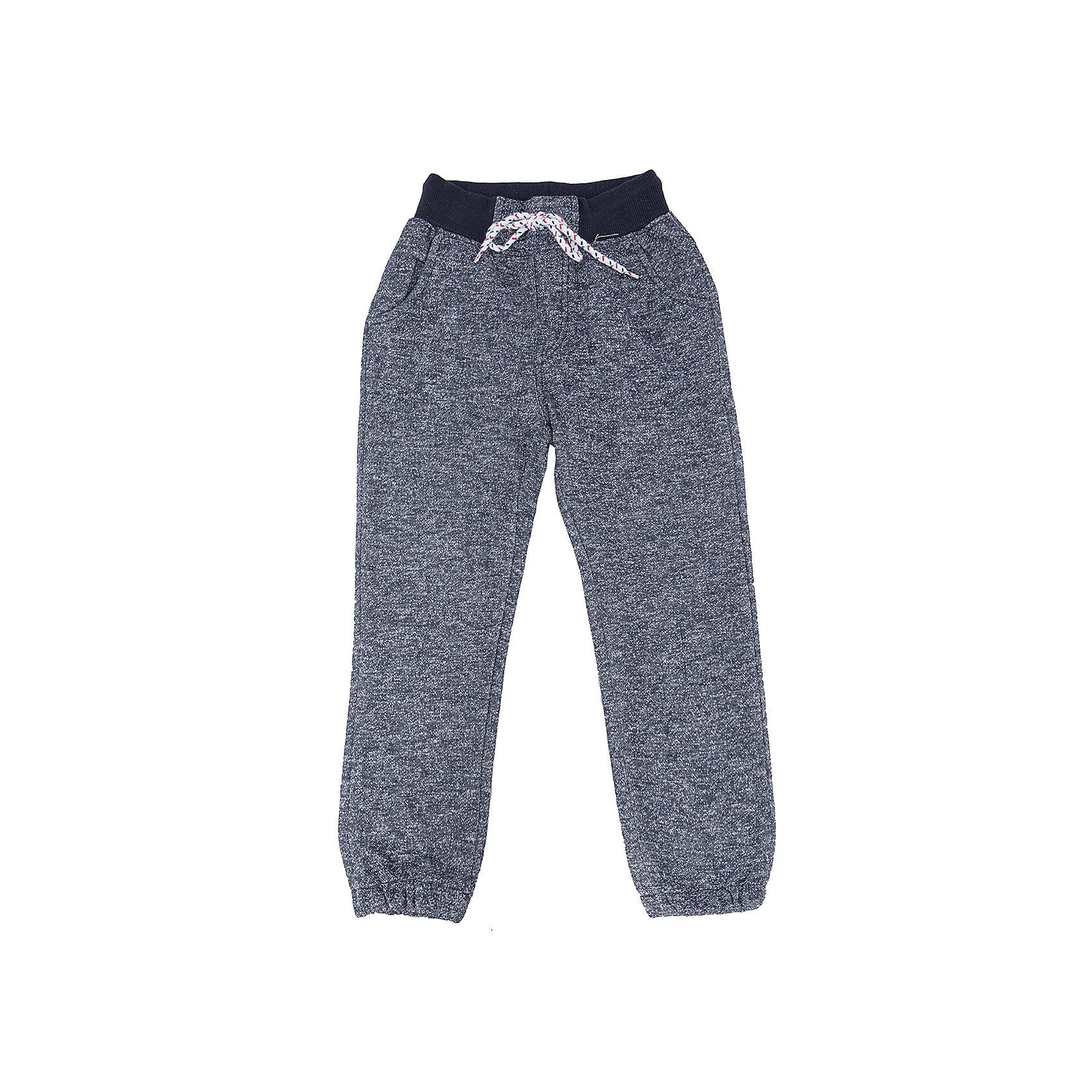 Брюки для мальчика Sweet BerryТакая модель брюк для мальчика отличается мягким и приятным на ощупь материалом. Удачный крой обеспечит ребенку комфорт и тепло. Плотная ткань делает вещь идеальной для прохладной погоды. Она плотно прилегает к телу там, где нужно, и отлично сидит по фигуре. Брюки имеют резинку и шнурок на талии. <br>Одежда от бренда Sweet Berry - это простой и выгодный способ одеть ребенка удобно и стильно. Всё изделия тщательно проработаны: швы - прочные, материал - качественный, фурнитура - подобранная специально для детей. <br><br>Дополнительная информация:<br><br>цвет: синий;<br>резинка и шнурок на талии;<br>материал: 90% хлопок, 10% полиэстер.<br><br>Брюки для мальчика от бренда Sweet Berry можно купить в нашем интернет-магазине.<br><br>Ширина мм: 215<br>Глубина мм: 88<br>Высота мм: 191<br>Вес г: 336<br>Цвет: синий<br>Возраст от месяцев: 24<br>Возраст до месяцев: 36<br>Пол: Мужской<br>Возраст: Детский<br>Размер: 98,128,122,116,110,104<br>SKU: 4930438