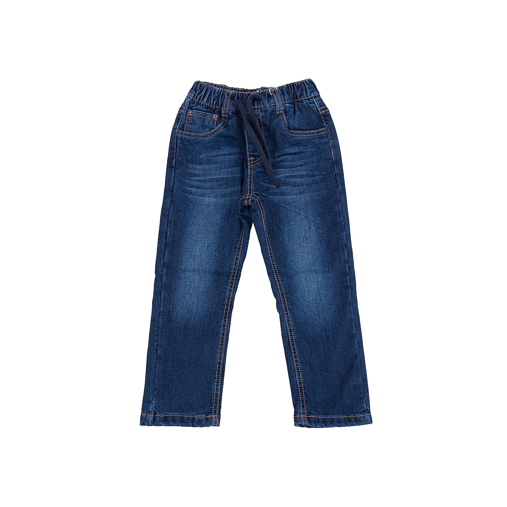 Джинсы для мальчика Sweet BerryДжинсы<br>Такая модель джинсов для мальчика отличается модным дизайном с контрастной прострочкой. Удачный крой обеспечит ребенку комфорт и тепло. Мягкая и теплая хлопковая подкладка делает вещь идеальной для прохладной погоды. Она плотно прилегает к телу там, где нужно, и отлично сидит по фигуре. Джинсы имеют удобный пояс на резинке. Натуральный хлопок обеспечит коже возможность дышать и не вызовет аллергии.<br>Одежда от бренда Sweet Berry - это простой и выгодный способ одеть ребенка удобно и стильно. Всё изделия тщательно проработаны: швы - прочные, материал - качественный, фурнитура - подобранная специально для детей. <br><br>Дополнительная информация:<br><br>цвет: синий;<br>имитация потертостей;<br>материал: 100% хлопок, подкладка - 100% хлопок;<br>внутри на поясе - резинка, шнурок.<br><br>Джинсы для мальчика от бренда Sweet Berry можно купить в нашем интернет-магазине.<br><br>Ширина мм: 215<br>Глубина мм: 88<br>Высота мм: 191<br>Вес г: 336<br>Цвет: синий<br>Возраст от месяцев: 24<br>Возраст до месяцев: 36<br>Пол: Мужской<br>Возраст: Детский<br>Размер: 98,104,110,116,122,128<br>SKU: 4930487