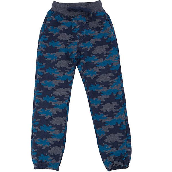Брюки для мальчика Sweet BerryБрюки<br>Такая модель брюк для мальчика отличается стильной расцветкой милитари. Удачный крой обеспечит ребенку комфорт и тепло. Мягкая и теплая подкладка делает вещь идеальной для прохладной погоды. Она плотно прилегает к телу там, где нужно, и отлично сидит по фигуре. Брюки имеют резинку и шнурок на талии. <br>Одежда от бренда Sweet Berry - это простой и выгодный способ одеть ребенка удобно и стильно. Всё изделия тщательно проработаны: швы - прочные, материал - качественный, фурнитура - подобранная специально для детей. <br><br>Дополнительная информация:<br><br>цвет: синий, милитари;<br>резинка и шнурок на талии;<br>материал: 95% хлопок 5% эластан.<br><br>Брюки для мальчика от бренда Sweet Berry можно купить в нашем интернет-магазине.<br><br>Ширина мм: 215<br>Глубина мм: 88<br>Высота мм: 191<br>Вес г: 336<br>Цвет: синий<br>Возраст от месяцев: 24<br>Возраст до месяцев: 36<br>Пол: Мужской<br>Возраст: Детский<br>Размер: 98,116,110,104,128,122<br>SKU: 4930508