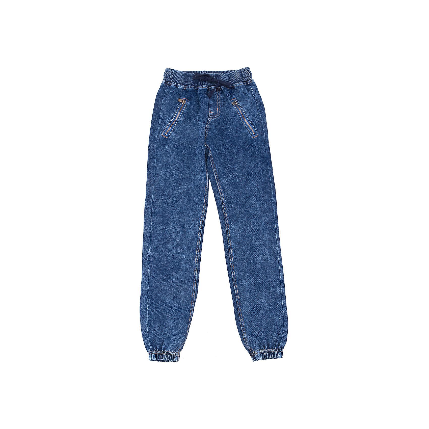 Брюки для мальчика LuminosoХарактеристики товара:<br><br>- цвет: джинс;<br>- материал: 95% хлопок 5% эластан;<br>- контрастная прострочка;<br>- мягкая резинка и шнурок в поясе.<br><br>Стильная одежда от бренда Luminoso (Люминосо), созданная при участии итальянских дизайнеров, учитывает потребности подростков и последние веяния моды. Она удобная и модная.<br>Эти стильные спортивные брюки отлично впишутся в гардероб мальчика. Они хорошо сидят на ребенке, обеспечивают комфорт и отлично сочетаются с одежной разных стилей. Модель отличается высоким качеством материала и продуманным дизайном. Натуральный хлопок в составе изделия делает его дышащим, приятным на ощупь и гипоаллергеным.<br><br>Брюки для мальчика от бренда Luminoso (Люминосо) можно купить в нашем интернет-магазине.<br><br>Ширина мм: 215<br>Глубина мм: 88<br>Высота мм: 191<br>Вес г: 336<br>Цвет: синий<br>Возраст от месяцев: 96<br>Возраст до месяцев: 108<br>Пол: Мужской<br>Возраст: Детский<br>Размер: 164,140,146,152,158,134<br>SKU: 4930956