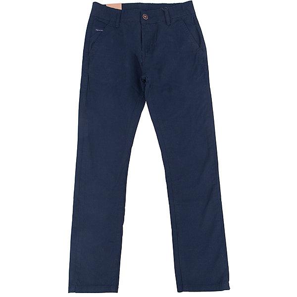 Брюки для мальчика LuminosoБрюки<br>Характеристики товара:<br><br>- цвет: синий;<br>- материал: 98% хлопок, 2% эластан;<br>- застежка: пуговица и молния;<br>- пояс регулируется внутренней резинкой на пуговицах;<br>- шлевки для ремня.<br><br>Стильная одежда от бренда Luminoso (Люминосо), созданная при участии итальянских дизайнеров, учитывает потребности подростков и последние веяния моды. Она удобная и модная.<br>Эти брюки выглядят стильно, но при этом подходят для ежедневного ношения. Они хорошо сидят на ребенке, обеспечивают комфорт и отлично сочетаются с одежной разных стилей. Модель отличается высоким качеством материала и продуманным дизайном. Натуральный хлопок в составе изделия делает его дышащим, приятным на ощупь и гипоаллергеным.<br><br>Брюки для мальчика от бренда Luminoso (Люминосо) можно купить в нашем интернет-магазине.<br>Ширина мм: 215; Глубина мм: 88; Высота мм: 191; Вес г: 336; Цвет: синий; Возраст от месяцев: 108; Возраст до месяцев: 120; Пол: Мужской; Возраст: Детский; Размер: 140,134,164,158,152,146; SKU: 4930998;