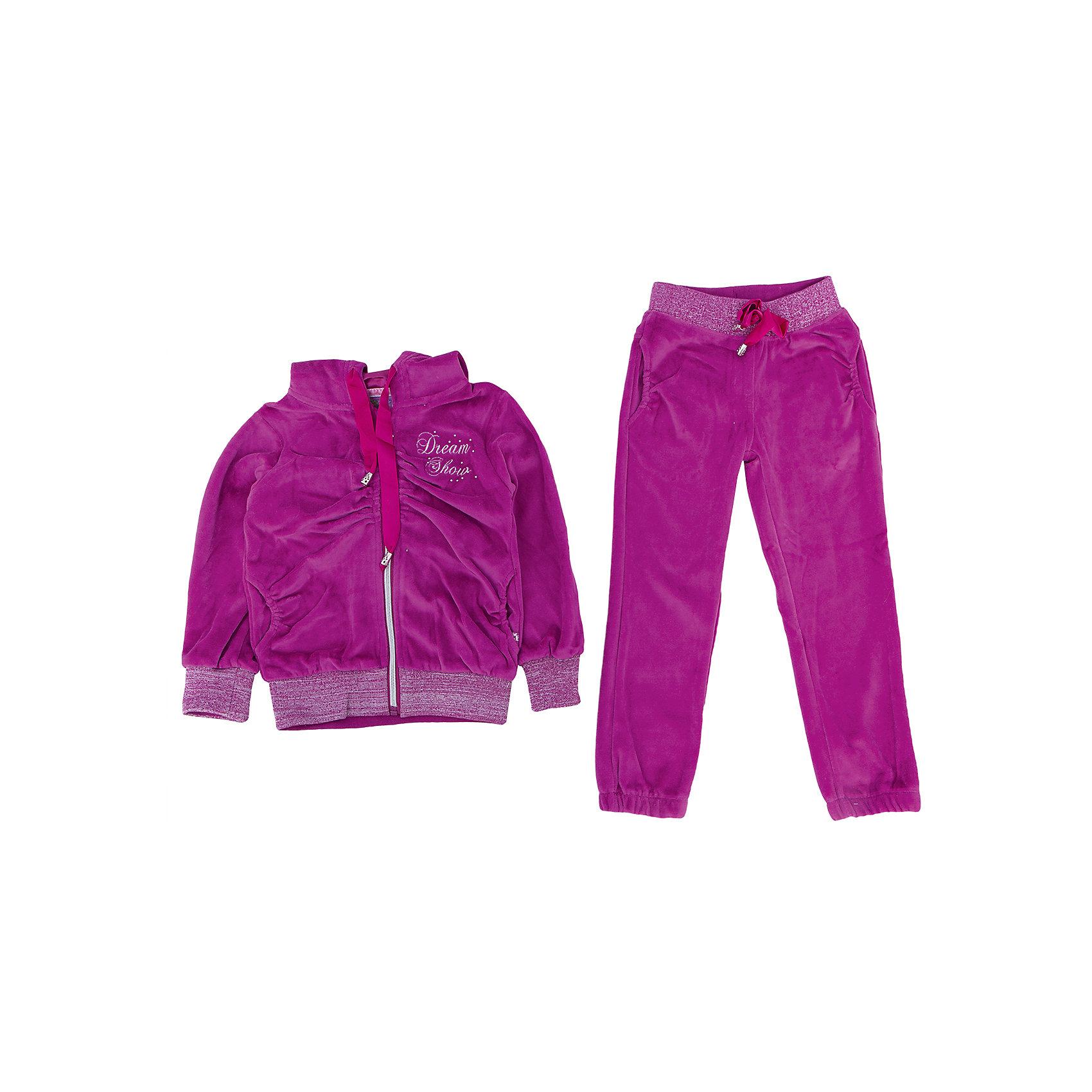 Спортивный костюм для девочки Sweet BerryСпортивный костюм – важная часть школьной жизни девочки. Красивый костюм может пробудить желание ходить на занятия физкультурой, а качественный костюм прослужит долго, не теряя при этом своих прямых функций. Костюм от фирмы Sweet Berry выполнен из нежного велюра, приятного для тела, но прочного для растягивающих нагрузок. У брюк есть пояс – резинка. Кофта застегивается на молнию. Присутствует капюшон. Материалы, использованные при изготовлении одежды, полностью безопасны для детей и отвечают всем требованиям по качеству продукции данной категории.<br><br>Дополнительная информация: <br><br>манжеты на рукавах;<br>наличие капюшона;<br>цвет: лиловый;<br>материал: хлопок 95%, эластан 5%.<br><br>Спортивный костюм для девочки от компании Sweet Berry можно приобрести в нашем магазине.<br><br>Ширина мм: 247<br>Глубина мм: 16<br>Высота мм: 140<br>Вес г: 225<br>Цвет: фиолетовый<br>Возраст от месяцев: 24<br>Возраст до месяцев: 36<br>Пол: Женский<br>Возраст: Детский<br>Размер: 98,104,110,116,122,128<br>SKU: 4931736