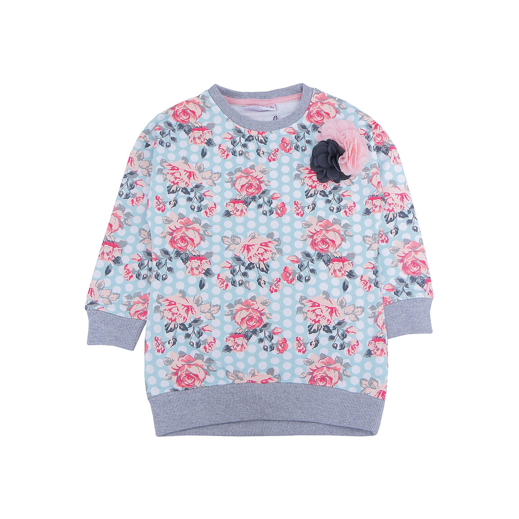 Толстовка для девочки Sweet BerryТолстовки<br>Толстовка – стильная одежда, способная надежно защищать от холодна маленькую модницу. Комфорт и стиль – две главные составляющие детской одежды. Теплые вещи могут быть красивыми. Уникальные особенности данной модели – модный цветочный принт, нежные цвета и украшение в верхней части толстовки – композиция цветков из шифона. Универсальный крой поможет создать множество образов. Материалы, использованные при изготовлении одежды, полностью безопасны для детей и отвечают всем требованиям по качеству продукции данной категории.<br><br>Дополнительная информация: <br><br>аксессуар – шифоновый цветок;<br>модный принт;<br>манжеты на рукавах;<br>прямой силуэт;<br>цвет: голубой;<br>материал: хлопок 95%, эластан 5%.<br><br>Толстовку для девочки от компании Sweet Berry можно приобрести в нашем магазине.<br><br>Ширина мм: 190<br>Глубина мм: 74<br>Высота мм: 229<br>Вес г: 236<br>Цвет: голубой<br>Возраст от месяцев: 36<br>Возраст до месяцев: 48<br>Пол: Женский<br>Возраст: Детский<br>Размер: 104,98,110,116,122,128<br>SKU: 4931911