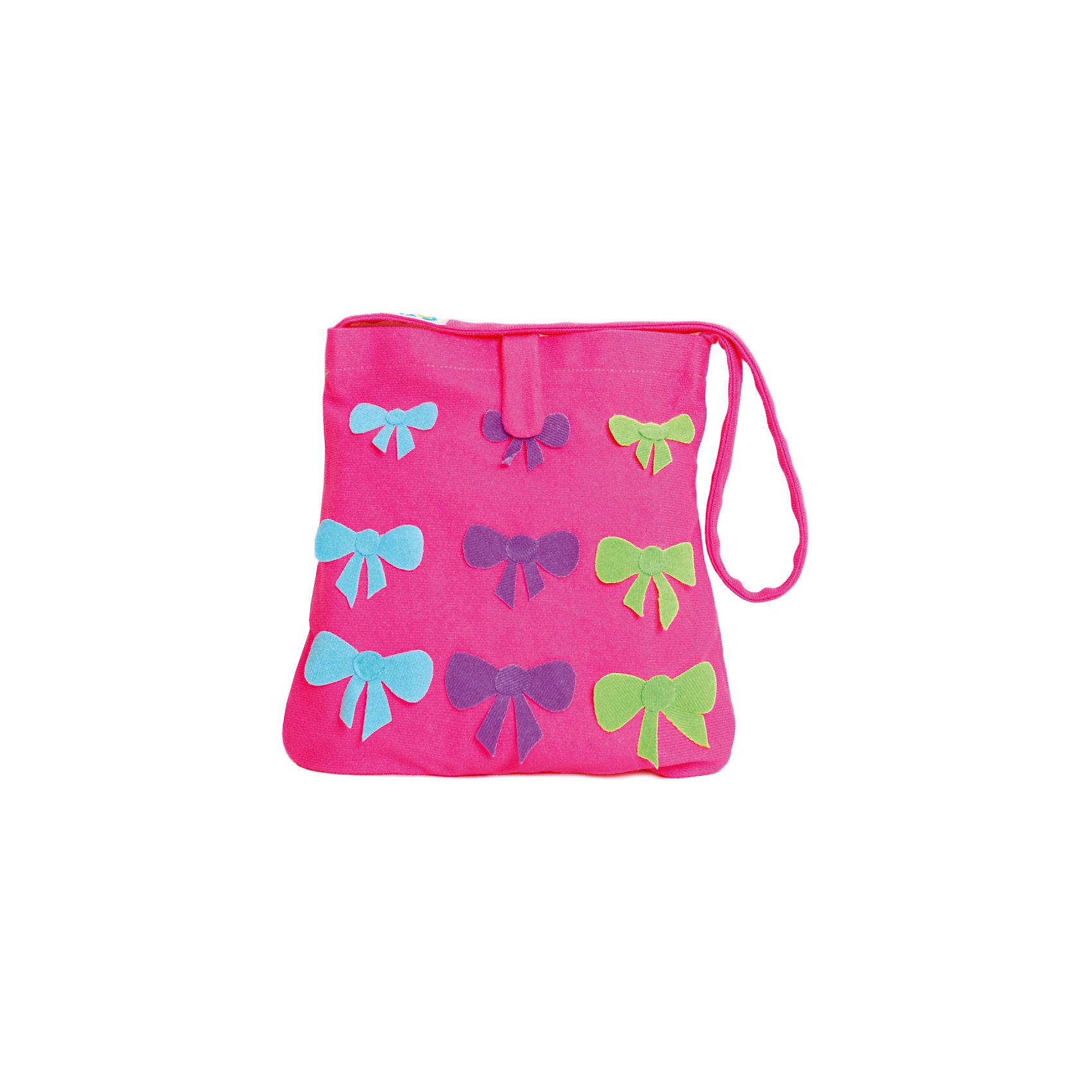 Стигис-аппликация Сумка детская, розоваяАксессуары<br>Если девочка давно мечтает о красивой сумке с оригинальной аппликацией, то ей обязательно понравится набор для стигис-аппликации на сумке. Ребенок сможет самостоятельно придумать дизайн и воссоздать его на сумочке при помощи ткани с термоклеевым слоем. Достаточно вырезать нужные элементы, выложить их на сумку и прогладить утюгом - красивая и практичная сумочка готова! В случае ошибки ткань можно снова прогладить утюгом, и она отклеится. Такой вид детского творчество хорошо развивает аккуратность, воображение и дизайнерские способности. Отличный подарок для юных рукодельниц!<br><br>Дополнительная информация: <br>В комплекте: сумка, кусочки stigis-ткани, выкройки, инструкция<br>Цвет: розовый<br>Размер: 3,5х27х20 см<br>Вес: 110 грамм<br>Набор для стигис-аппликации можно купить в нашем интернет-магазине.<br><br>Ширина мм: 200<br>Глубина мм: 270<br>Высота мм: 35<br>Вес г: 110<br>Возраст от месяцев: 60<br>Возраст до месяцев: 120<br>Пол: Унисекс<br>Возраст: Детский<br>SKU: 4939422