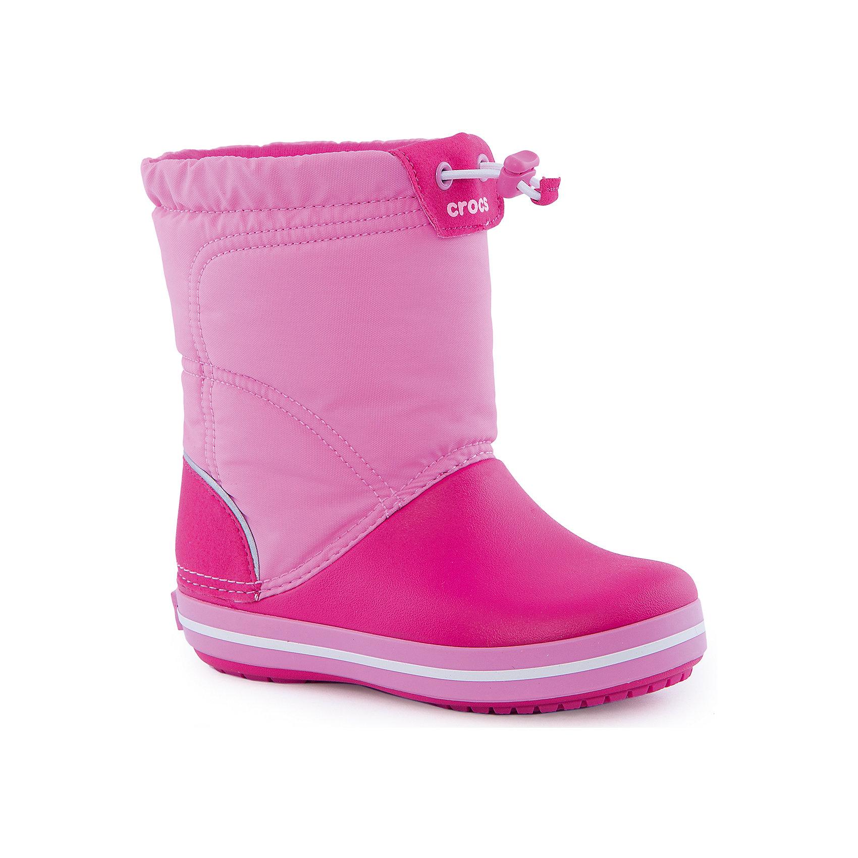 Сапоги Kids' Crocband LodgePoint Boot CrocsРезиновые сапоги<br>Характеристики товара:<br><br>• цвет: розовый<br>• материал: верх - текстиль, низ -100% полимер Croslite™<br>• материал подкладки: текстиль<br>• непромокаемая носочная часть<br>• температурный режим: от -15° до +10° С<br>• легко очищаются<br>• антискользящая подошва<br>• шнурок со стоппером<br>• толстая устойчивая подошва<br>• страна бренда: США<br>• страна изготовитель: Китай<br><br>Сапоги могут быть и стильными, и теплыми! Для детской обуви крайне важно, чтобы она была удобной. Такие сапоги обеспечивают детям необходимый комфорт, а теплая подкладка создает особый микроклимат. Сапоги легко надеваются и снимаются, отлично сидят на ноге. Материал, из которого они сделаны, не дает размножаться бактериям, поэтому такая обувь препятствует образованию неприятного запаха и появлению болезней стоп. Данная модель особенно понравится детям - ведь в них можно бегать по лужам!<br>Обувь от американского бренда Crocs в данный момент завоевала широкую популярность во всем мире, и это не удивительно - ведь она невероятно удобна. Её носят врачи, спортсмены, звёзды шоу-бизнеса, люди, которым много времени приходится бывать на ногах - они понимают, как важна комфортная обувь. Продукция Crocs - это качественные товары, созданные с применением новейших технологий. Обувь отличается стильным дизайном и продуманной конструкцией. Изделие производится из качественных и проверенных материалов, которые безопасны для детей.<br><br>Сапоги для девочки от торговой марки Crocs можно купить в нашем интернет-магазине.<br><br>Ширина мм: 237<br>Глубина мм: 180<br>Высота мм: 152<br>Вес г: 438<br>Цвет: розовый<br>Возраст от месяцев: 18<br>Возраст до месяцев: 21<br>Пол: Женский<br>Возраст: Детский<br>Размер: 23,34,27,28,29,30,24,25,26,31,33<br>SKU: 4940708