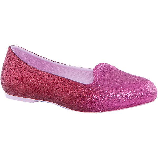 Туфли Eve Sparkle Flat K для девочки CrocsОбувь<br>Характеристики товара:<br><br>• цвет: розовый<br>• материал: верх - текстиль, низ - 100% полимер Croslite™<br>• блестки<br>• антискользящая подошва<br>• бактериостатичный материал<br>• стильный дизайн<br>• устойчивая подошва<br>• страна бренда: США<br>• страна изготовитель: Китай<br><br>Для правильного развития ребенка крайне важно, чтобы обувь была удобной. Такие туфли обеспечивают детям необходимый комфорт, а удобная стелька позволяет ножкам дольше не уставать. Туфли легко надеваются и снимаются, отлично сидят на ноге. Материал, из которого они сделаны, не дает размножаться бактериям, поэтому такая обувь препятствует образованию неприятного запаха и появлению болезней стоп. <br>Обувь от американского бренда Crocs в данный момент завоевала широкую популярность во всем мире, и это не удивительно - ведь она невероятно удобна. Её носят врачи, спортсмены, звёзды шоу-бизнеса, люди, которым много времени приходится бывать на ногах - они понимают, как важна комфортная обувь. Продукция Crocs - это качественные товары, созданные с применением новейших технологий. Обувь отличается стильным дизайном и продуманной конструкцией. Изделие производится из качественных и проверенных материалов, которые безопасны для детей.<br><br>Туфли для девочки от торговой марки Crocs можно купить в нашем интернет-магазине.<br><br>Ширина мм: 225<br>Глубина мм: 139<br>Высота мм: 112<br>Вес г: 290<br>Цвет: розовый<br>Возраст от месяцев: 24<br>Возраст до месяцев: 24<br>Пол: Женский<br>Возраст: Детский<br>Размер: 25,27,34,33,31,26,30,29,28<br>SKU: 4940827
