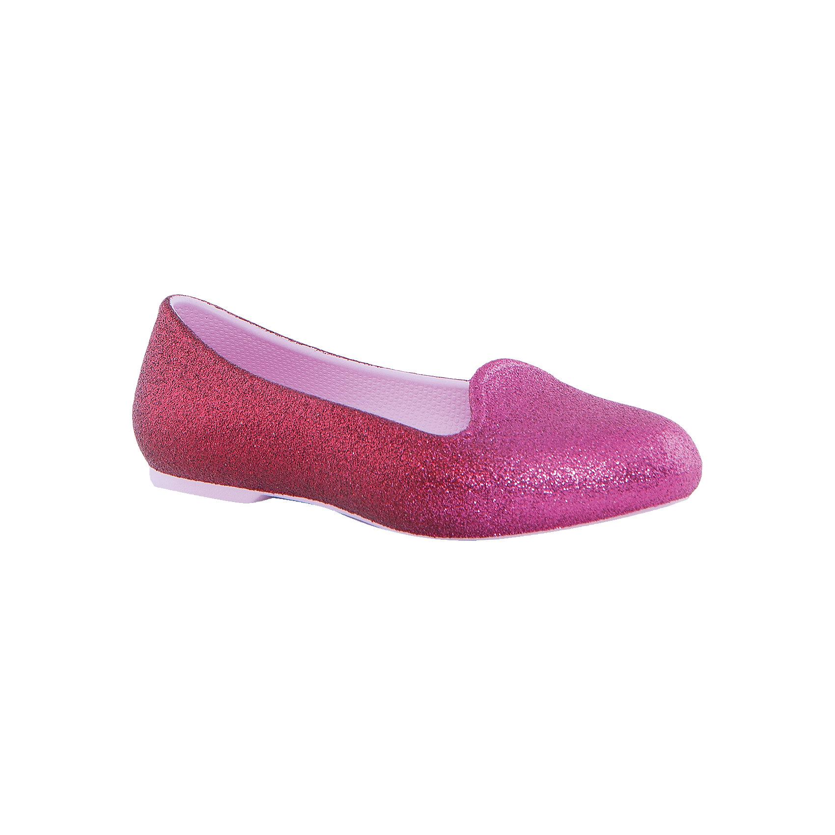 Сабо Eve Sparkle Flat K для девочки CrocsХарактеристики товара:<br><br>• цвет: розовый<br>• материал: верх - текстиль, низ - 100% полимер Croslite™<br>• блестки<br>• антискользящая подошва<br>• бактериостатичный материал<br>• стильный дизайн<br>• устойчивая подошва<br>• страна бренда: США<br>• страна изготовитель: Китай<br><br>Для правильного развития ребенка крайне важно, чтобы обувь была удобной. Такие туфли обеспечивают детям необходимый комфорт, а удобная стелька позволяет ножкам дольше не уставать. Туфли легко надеваются и снимаются, отлично сидят на ноге. Материал, из которого они сделаны, не дает размножаться бактериям, поэтому такая обувь препятствует образованию неприятного запаха и появлению болезней стоп. <br>Обувь от американского бренда Crocs в данный момент завоевала широкую популярность во всем мире, и это не удивительно - ведь она невероятно удобна. Её носят врачи, спортсмены, звёзды шоу-бизнеса, люди, которым много времени приходится бывать на ногах - они понимают, как важна комфортная обувь. Продукция Crocs - это качественные товары, созданные с применением новейших технологий. Обувь отличается стильным дизайном и продуманной конструкцией. Изделие производится из качественных и проверенных материалов, которые безопасны для детей.<br><br>Туфли для девочки от торговой марки Crocs можно купить в нашем интернет-магазине.<br><br>Ширина мм: 225<br>Глубина мм: 139<br>Высота мм: 112<br>Вес г: 290<br>Цвет: розовый<br>Возраст от месяцев: 36<br>Возраст до месяцев: 48<br>Пол: Женский<br>Возраст: Детский<br>Размер: 27,28,29,30,25,26,31,33,34<br>SKU: 4940827