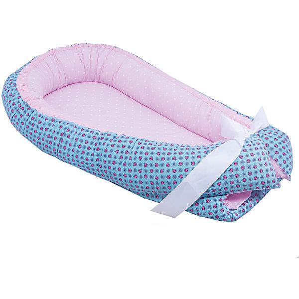 Гнездышко, Божья коровка, 85х45см, Baby Nice, голубойПозиционеры для сна<br>Постельные принадлежности для детей должны быть качественными и безопасными. Этот бортик разработан специально для малышей. Его можно брать с собой в поездки, он занимает мало места, и его можно компактно сложить. Бортик также может заменить подушку для вскармливания.<br>Чехол - из натурального дышащего хлопка, приятного на ощупь. Он не вызывает аллергии, что особенно важно для малышей. Наполнитель - файбер, легкий, упругий и обеспечивающий хорошую терморегуляцию. Бортик сделана из высококачественных материалов, безопасных для ребенка.<br><br>Дополнительная информация:<br><br>цвет: голубой;<br>материал: хлопок, файбер;<br>размер: 85 х 45 см.<br><br>Бортик Гнездышко, Божья коровка, 85х45см, от компании Baby Nice можно купить в нашем магазине.<br>Ширина мм: 850; Глубина мм: 450; Высота мм: 100; Вес г: 900; Возраст от месяцев: 0; Возраст до месяцев: 36; Пол: Унисекс; Возраст: Детский; SKU: 4941770;