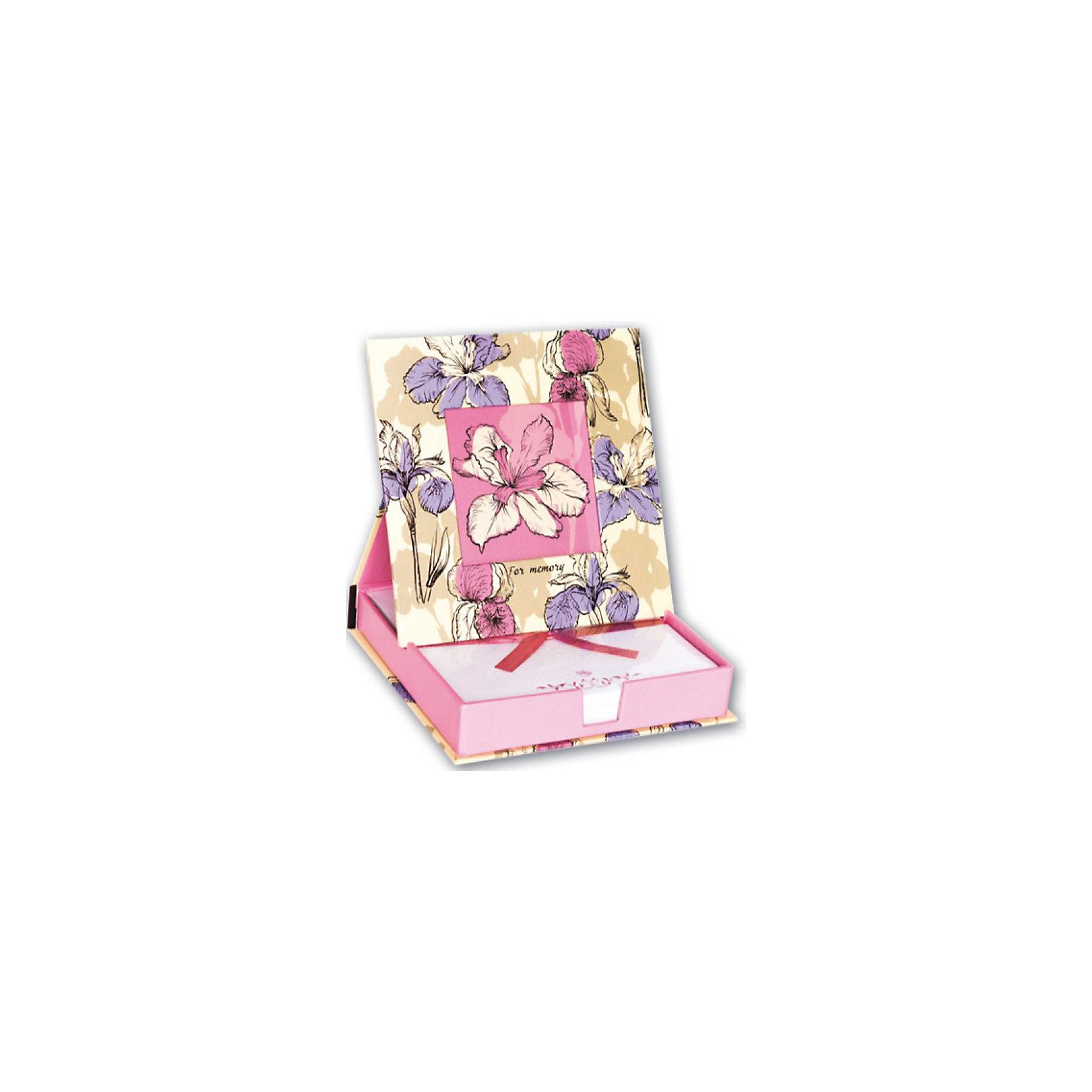 Настольный блок с фоторамкой на крышке Цветок, 200 лНастольный блок с фоторамкой будет прекрасным и стильным сюрпризом для всех девушек!<br><br>Дополнительная информация:<br><br>- Возраст: от 10 лет.<br>- 200 листов.<br>- Орнамент: цветок.<br>- Формат: 15х15 см.<br>- Размер упаковки: 17х15,5х3 см.<br>- Вес в упаковке: 320 г.<br><br>Купить настольный блок с фоторамкой на крышке Цветок можно в нашем магазине.<br><br>Ширина мм: 170<br>Глубина мм: 155<br>Высота мм: 30<br>Вес г: 320<br>Возраст от месяцев: 120<br>Возраст до месяцев: 2147483647<br>Пол: Женский<br>Возраст: Детский<br>SKU: 4943440