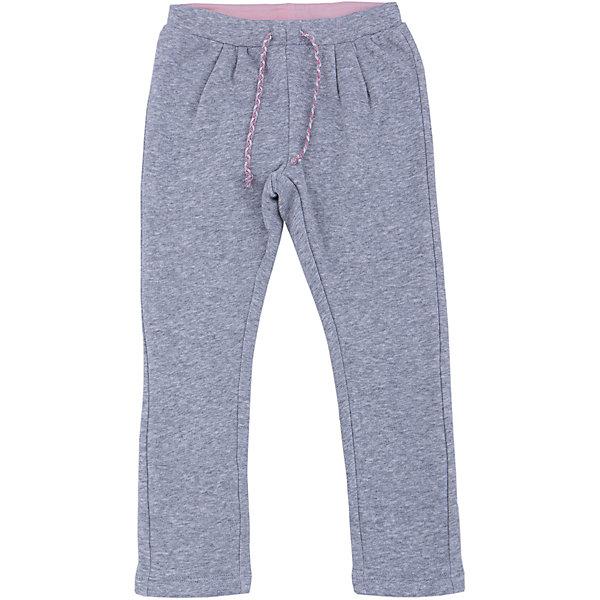 Брюки для девочки SELAСпортивная одежда<br>Спортивные брюки - незаменимая вещь в детском гардеробе. Эта модель отлично сидит на ребенке, она сшита из приятного на ощупь материала, натуральный хлопок не вызывает аллергии и обеспечивает ребенку комфорт. Модель станет отличной базовой вещью, которая будет уместна в различных сочетаниях.<br>Одежда от бренда Sela (Села) - это качество по приемлемым ценам. Многие российские родители уже оценили преимущества продукции этой компании и всё чаще приобретают одежду и аксессуары Sela.<br><br>Дополнительная информация:<br><br>цвет: серый;<br>материал: 50 % хлопок, 50% ПЭ;<br>плотный материал;<br>шнурок и резинка в поясе.<br><br>Брюки для девочки от бренда Sela можно купить в нашем интернет-магазине.<br><br>Ширина мм: 215<br>Глубина мм: 88<br>Высота мм: 191<br>Вес г: 336<br>Цвет: серый<br>Возраст от месяцев: 24<br>Возраст до месяцев: 36<br>Пол: Женский<br>Возраст: Детский<br>Размер: 98,116,110,104<br>SKU: 4944044