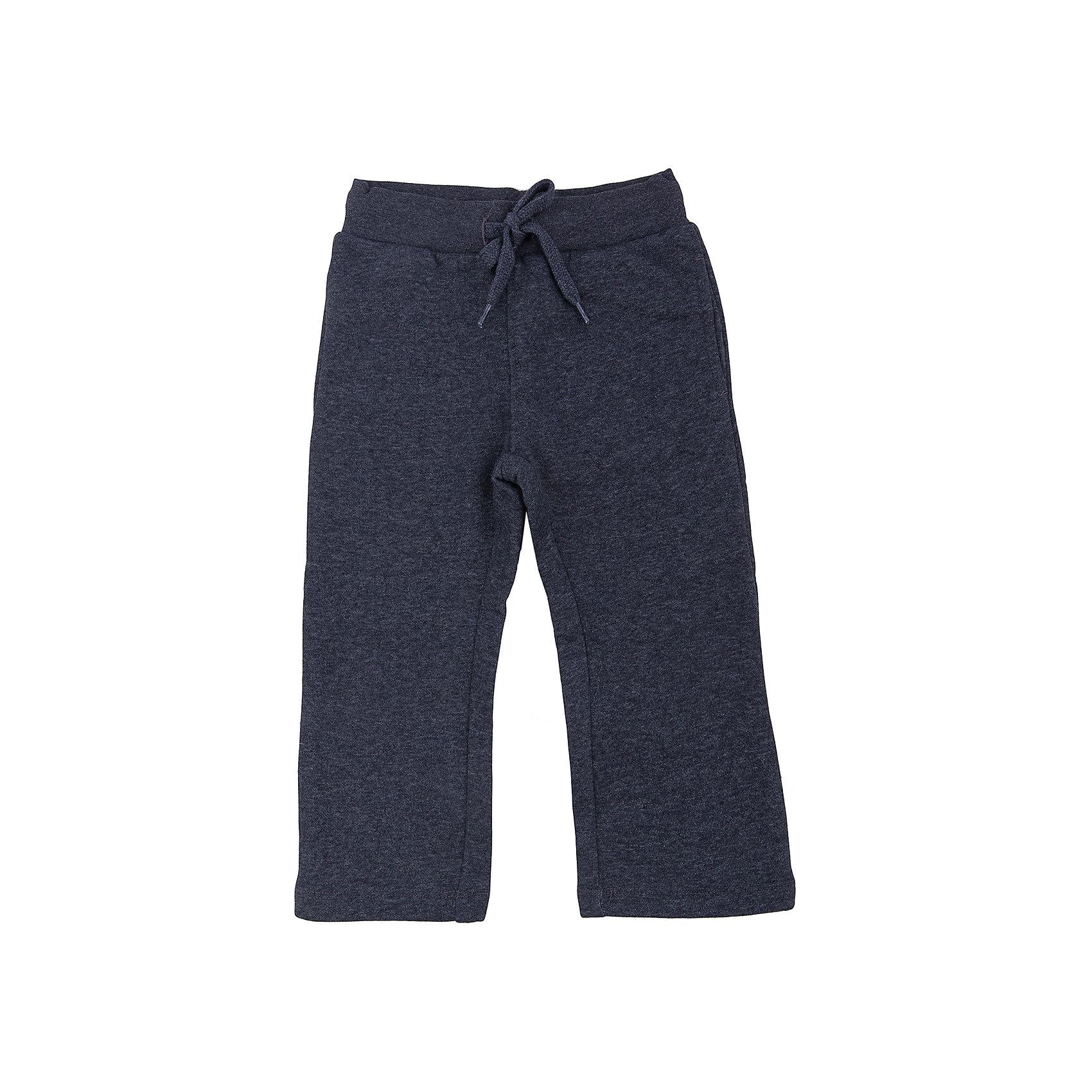 Брюки для мальчика SELAБрюки<br>Спортивные брюки - незаменимая вещь в детском гардеробе. Эта модель отлично сидит на ребенке, она сшита из приятного на ощупь материала, натуральный хлопок не вызывает аллергии и обеспечивает ребенку комфорт. Модель станет отличной базовой вещью, которая будет уместна в различных сочетаниях.<br>Одежда от бренда Sela (Села) - это качество по приемлемым ценам. Многие российские родители уже оценили преимущества продукции этой компании и всё чаще приобретают одежду и аксессуары Sela.<br><br>Дополнительная информация:<br><br>цвет: черный;<br>материал: 80 % хлопок, 20% ПЭ;<br>плотный материал;<br>шнурок и резинка в поясе.<br><br>Брюки для мальчика от бренда Sela можно купить в нашем интернет-магазине.<br><br>Ширина мм: 215<br>Глубина мм: 88<br>Высота мм: 191<br>Вес г: 336<br>Цвет: черный<br>Возраст от месяцев: 60<br>Возраст до месяцев: 72<br>Пол: Мужской<br>Возраст: Детский<br>Размер: 116,92,98,104,110<br>SKU: 4944049