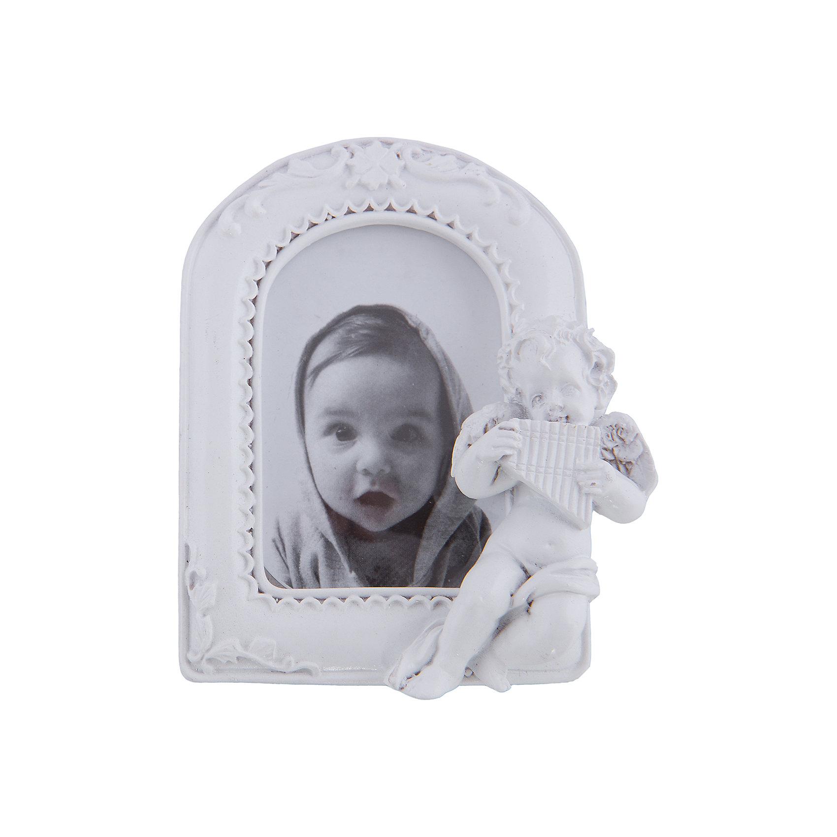 Фоторамка декоративная АНГЕЛ С ПАН-ФЛЕЙТОЙПредметы интерьера<br>Декоративная фоторамка Ангел с пан-флейтой сохранит фотографии близких людей и счастливых моментов жизни. Рельефная рамка украшена очаровательным ангелочком, есть удобная ножка для установки на стол или полку. Эта замечательная рамка займет достойное место в вашей комнате и поможет сохранить рядом самые важные моменты!<br><br>Дополнительная информация:<br>Цвет: белый<br>Материал: полирезин, пластик, картон<br>Размер рамки: 7,5х10,3х2,5 см<br>Размер фотографии: 7,5х5 см<br>Вес: 115 грамм<br>Декоративную фоторамку Ангел с пан-флейтой вы можете купить в нашем интернет-магазине.<br><br>Ширина мм: 500<br>Глубина мм: 280<br>Высота мм: 450<br>Вес г: 115<br>Возраст от месяцев: 84<br>Возраст до месяцев: 216<br>Пол: Унисекс<br>Возраст: Детский<br>SKU: 4957944