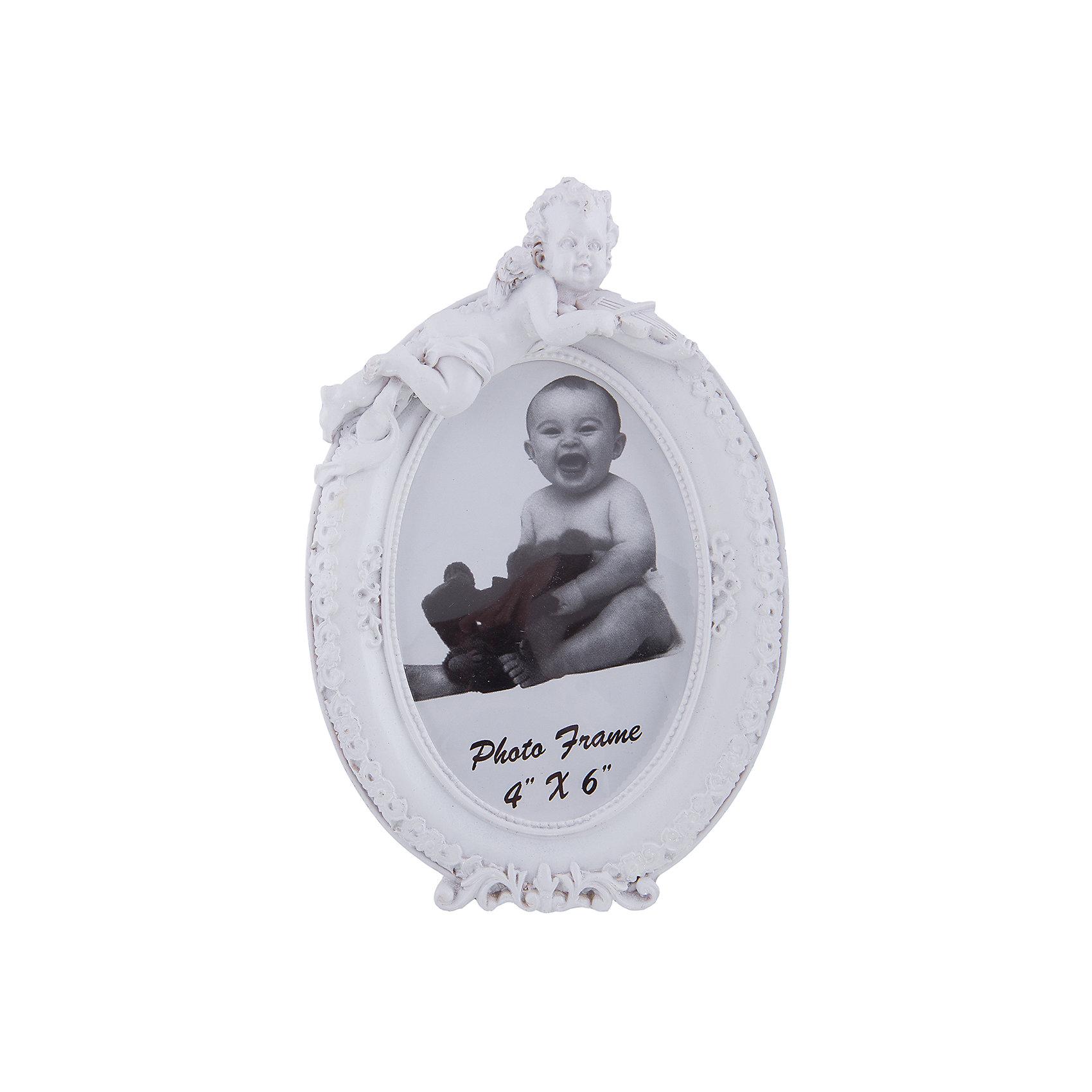 Фоторамка декоративная АНГЕЛ СО СКРИПКОЙДекоративная фоторамка Ангел со скрипкой сохранит фотографии близких людей и счастливых моментов жизни. Рельефная рамка украшена очаровательным ангелочком, есть удобная ножка для установки на стол или полку. Эта замечательная рамка займет достойное место в вашей комнате и поможет сохранить рядом самые важные моменты!<br><br>Дополнительная информация:<br>Цвет: белый<br>Материал: полирезин, пластик, картон<br>Размер рамки: 13,8х20,5х3,2 см<br>Размер фотографии: 10х15 см<br>Вес: 270 грамм<br>Декоративную фоторамку Ангел со скрипкой вы можете купить в нашем интернет-магазине.<br><br>Ширина мм: 420<br>Глубина мм: 360<br>Высота мм: 490<br>Вес г: 281<br>Возраст от месяцев: 84<br>Возраст до месяцев: 216<br>Пол: Унисекс<br>Возраст: Детский<br>SKU: 4957945