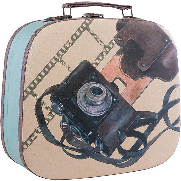 Шкатулка декоративная  ФотоаппаратДетские предметы интерьера<br>Декоративная шкатулка Фотоаппарат изготовлена из материалов высокого качества, выполнена в форме сумочки, имеет удобную ручку и декорирована оригинальным рисунком с советским фотоаппаратом. В этой шкатулке удобно будет хранить самые ценные предметы и различные безделушки.<br><br>Дополнительная информация:<br>Материал: МДФ<br>Размер: 10,5х28,5х25 см<br>Вес: 1005 грамм<br>Декоративную шкатулку Фотоаппарат вы можете приобрести в нашем интернет-магазине.<br>Ширина мм: 320; Глубина мм: 370; Высота мм: 560; Вес г: 700; Возраст от месяцев: 84; Возраст до месяцев: 216; Пол: Унисекс; Возраст: Детский; SKU: 4957989;