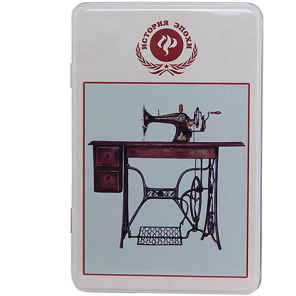 Коробка для бытовых нужд Советская швейная машинка 1700млДетские предметы интерьера<br>Советская швейная машинка - металлическая коробка для бытовых нужд, в которую прекрасно поместятся  небольшие предметы для дома. Коробка закрывается крышкой и декорирована  рисунком с советской швейной машинкой. С такой коробкой приятно будет добавить немного ретро в свой дом.<br><br>Дополнительная информация:<br>Материал: металл<br>Размер: 20х7 см<br>Объем: 1700 мл<br>Коробку для бытовых нужд Советская швейная машинка вы можете приобрести в нашем интернет-магазине.<br>Ширина мм: 420; Глубина мм: 430; Высота мм: 550; Вес г: 183; Возраст от месяцев: 84; Возраст до месяцев: 216; Пол: Унисекс; Возраст: Детский; SKU: 4958001;