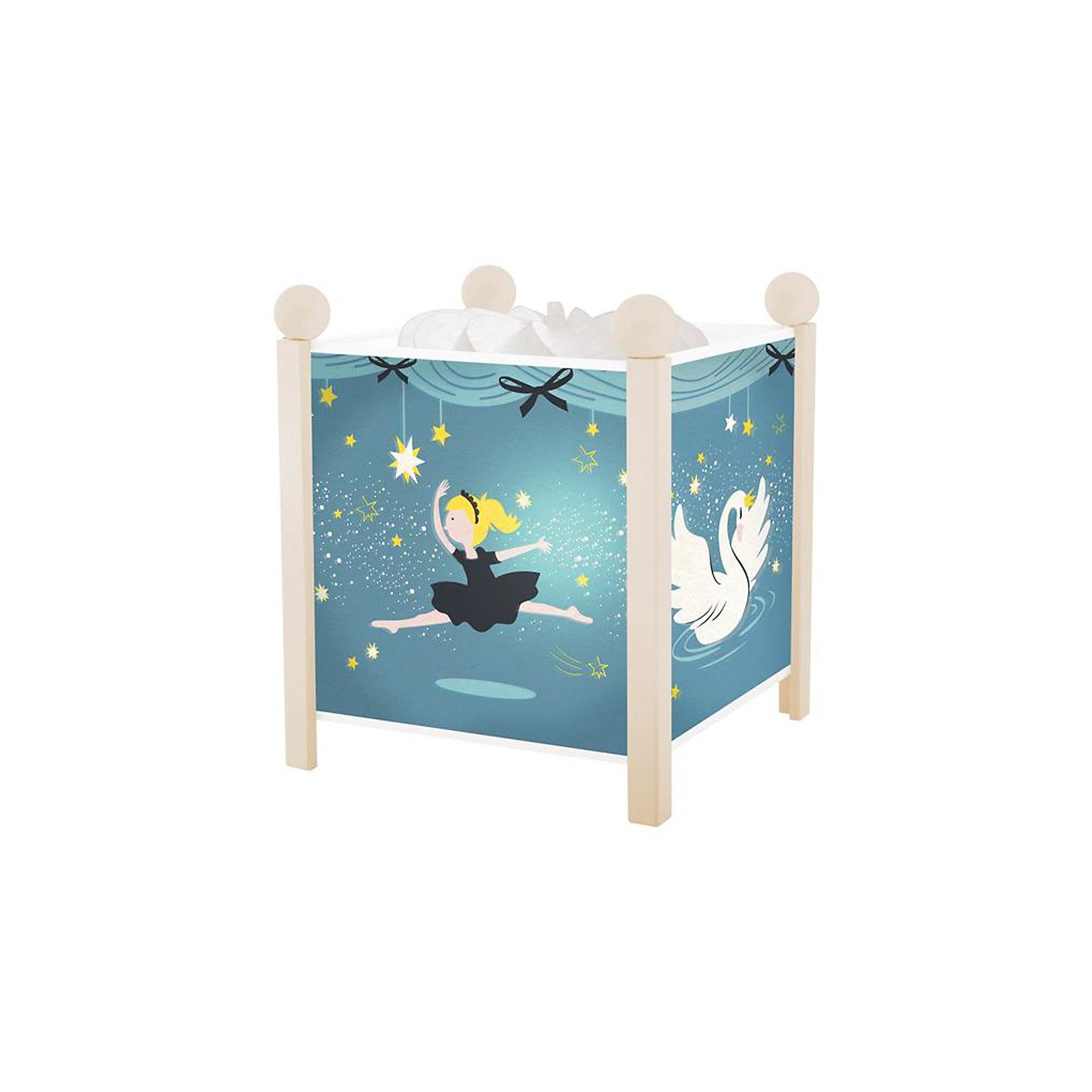 Светильник-ночник Балерина Trousselier, белыйДетские предметы интерьера<br>Ночники помогают создать уют в любом помещении. Для детей это еще и повышение  качества сна - с ночником они спят спокойнее, так как вокруг нет пугающей темноты.<br>Этот ночник выглядит очень красиво - на нем симпатичные картинки, жароустойчивый цилиндр ночника вращается и создает приятное мягкое освещение вокруг него. Корпус ночника - прочный, металлический. Изделие произведено из высококачественных материалов, и соответствует европейским стандартам безопасности.<br><br>Дополнительная информация:<br><br>цвет: белый;<br>материал: металл, жароустойчивый пластик, дерево;<br>работает от розетки;<br>внутри - лампочка 12 V 20 W;<br>вес: 755 г;<br>размер: 17 х 17 х 19 см.<br><br>Светильник-ночник Балерина от французской компании Trousselier можно купить в нашем магазине.<br><br>Ширина мм: 175<br>Глубина мм: 175<br>Высота мм: 260<br>Вес г: 930<br>Возраст от месяцев: 0<br>Возраст до месяцев: 216<br>Пол: Женский<br>Возраст: Детский<br>SKU: 4961804