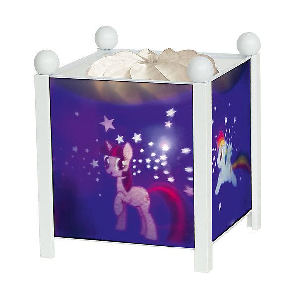 Светильник-ночник My Little Pony©, Trousselier, розовый/белыйДетские предметы интерьера<br>Ночники помогают создать уют в любом помещении. Для детей это еще и повышение  качества сна - с ночником они спят спокойнее, так как вокруг нет пугающей темноты.<br>Этот ночник выглядит очень красиво - на нем изображены любимые герои детей из мультфильма My Little Pony, жароустойчивый цилиндр ночника вращается и создает приятное мягкое освещение вокруг него. Корпус ночника - прочный, металлический. Изделие произведено из высококачественных материалов, и соответствует европейским стандартам безопасности.<br><br>Дополнительная информация:<br><br>цвет: белый, розовый;<br>материал: металл, жароустойчивый пластик, дерево;<br>работает от розетки;<br>внутри - лампочка 12 V 20 W;<br>вес: 755 г;<br>размер: 17 х 17 х 19 см.<br><br>Светильник-ночник My Little Pony от французской компании Trousselier можно купить в нашем магазине.<br><br>Ширина мм: 175<br>Глубина мм: 175<br>Высота мм: 260<br>Вес г: 930<br>Возраст от месяцев: 0<br>Возраст до месяцев: 216<br>Пол: Женский<br>Возраст: Детский<br>SKU: 4961806