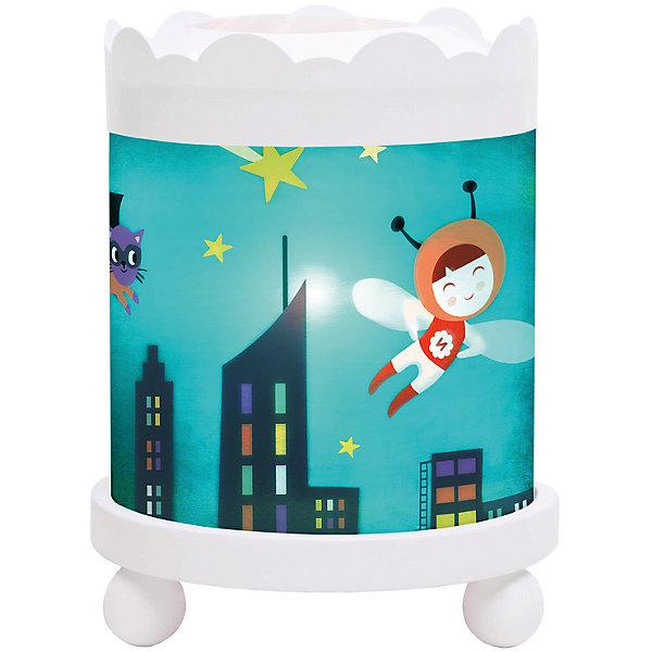 Светильник-ночник с функцией проектора Ninon Heroe, TrousselierДетские предметы интерьера<br>Ночные страхи легко уходят из комнаты, в которой стоит ночник! С ночником любое помещение становится уютнее! Для детей это еще и повышение качества сна - с ночником они спят спокойнее, так как вокруг нет пугающей темноты.<br>Этот ночник выглядит очень красиво - на нем изображены симпатичные картинки, жароустойчивый цилиндр ночника вращается и создает приятное мягкое освещение вокруг него. Корпус ночника - прочный, металлический. Если его снять, то ночник будет работать как проектор и отправлять изображение героев на стены. Изделие произведено из высококачественных материалов, и соответствует европейским стандартам безопасности.<br><br>Дополнительная информация:<br><br>цвет: разноцветный;<br>материал: металл, жароустойчивый пластик, дерево;<br>работает от розетки;<br>внутри - лампочка 12 V 20 W;<br>вес: 800 г;<br>размер: 17 х 17 х 22 см.<br><br>Светильник-ночник с функцией проектора Ninon Heroe от французской компании Trousselier можно купить в нашем магазине.<br><br>Ширина мм: 175<br>Глубина мм: 175<br>Высота мм: 260<br>Вес г: 930<br>Возраст от месяцев: 0<br>Возраст до месяцев: 216<br>Пол: Женский<br>Возраст: Детский<br>SKU: 4961821