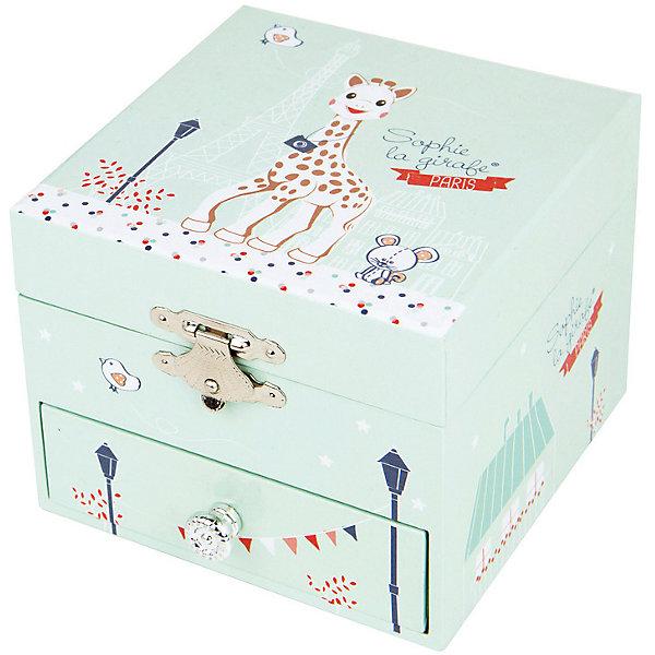 Музыкальная шкатулка The Giraffe Paris - Figurine Sophie, TrousselierДетские предметы интерьера<br>Музыкальная шкатулка - это мечта множества девчонок. Подарите девочке настоящую музыкальную шкатулку с заводным механизмом от французской компании Trousselier. Шкатулка проигрывает приятную мелодию.<br>Она выглядит очень красиво - на ней симпатичная картинка. Внутри шкатулки даже есть место для хранения разных мелочей и зеркальце. Изделие произведено из высококачественных материалов, и соответствует европейским стандартам безопасности.<br><br>Дополнительная информация:<br><br>цвет: разноцветный;<br>материал: дерево;<br>внутри зеркало;<br>заводной механизм;<br>размер: 11 х 11 х 9 см.<br><br>Музыкальную шкатулку The Giraffe Paris - Figurine Sophie от французской компании Trousselier можно купить в нашем магазине.<br><br>Ширина мм: 105<br>Глубина мм: 105<br>Высота мм: 85<br>Вес г: 500<br>Возраст от месяцев: 12<br>Возраст до месяцев: 216<br>Пол: Унисекс<br>Возраст: Детский<br>SKU: 4961832