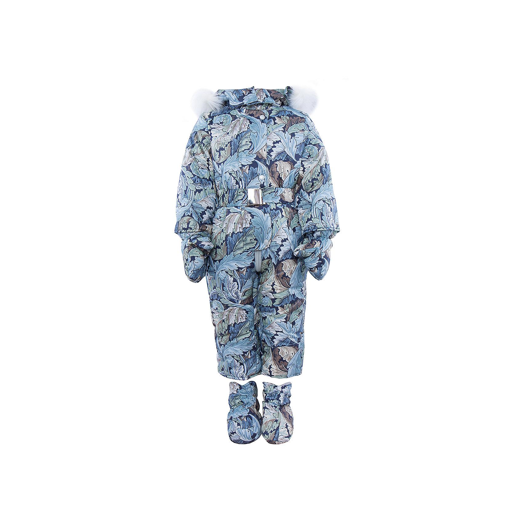 Комбинезон АртельВерхняя одежда<br>Комбинезон от известного бренда Артель<br>Модель этого теплого комбинезона комплектуется пинетками и варежками. Отворотные манжеты на рукавах и ножках позволяют регулировать длину. Глубокий капюшон на кнопках с искусственным отстегивающимся мехом песца и центральная застежка на молнию, прикрытая притачной широкой планкой на кнопках, обеспечивают дополнительную защиту от холода. По линии талии расположен пояс на резинке с декоративной пряжкой. На левой стороне груди есть нашивка, на штанишках - вшитые карманы на молнии.<br>Состав:<br>Верх: YSD 819<br>Подкладка: интерлок<br>Утеплитель: термофайбер 300гр<br><br>Ширина мм: 356<br>Глубина мм: 10<br>Высота мм: 245<br>Вес г: 519<br>Цвет: голубой<br>Возраст от месяцев: 12<br>Возраст до месяцев: 18<br>Пол: Женский<br>Возраст: Детский<br>Размер: 86,74,80<br>SKU: 4963570