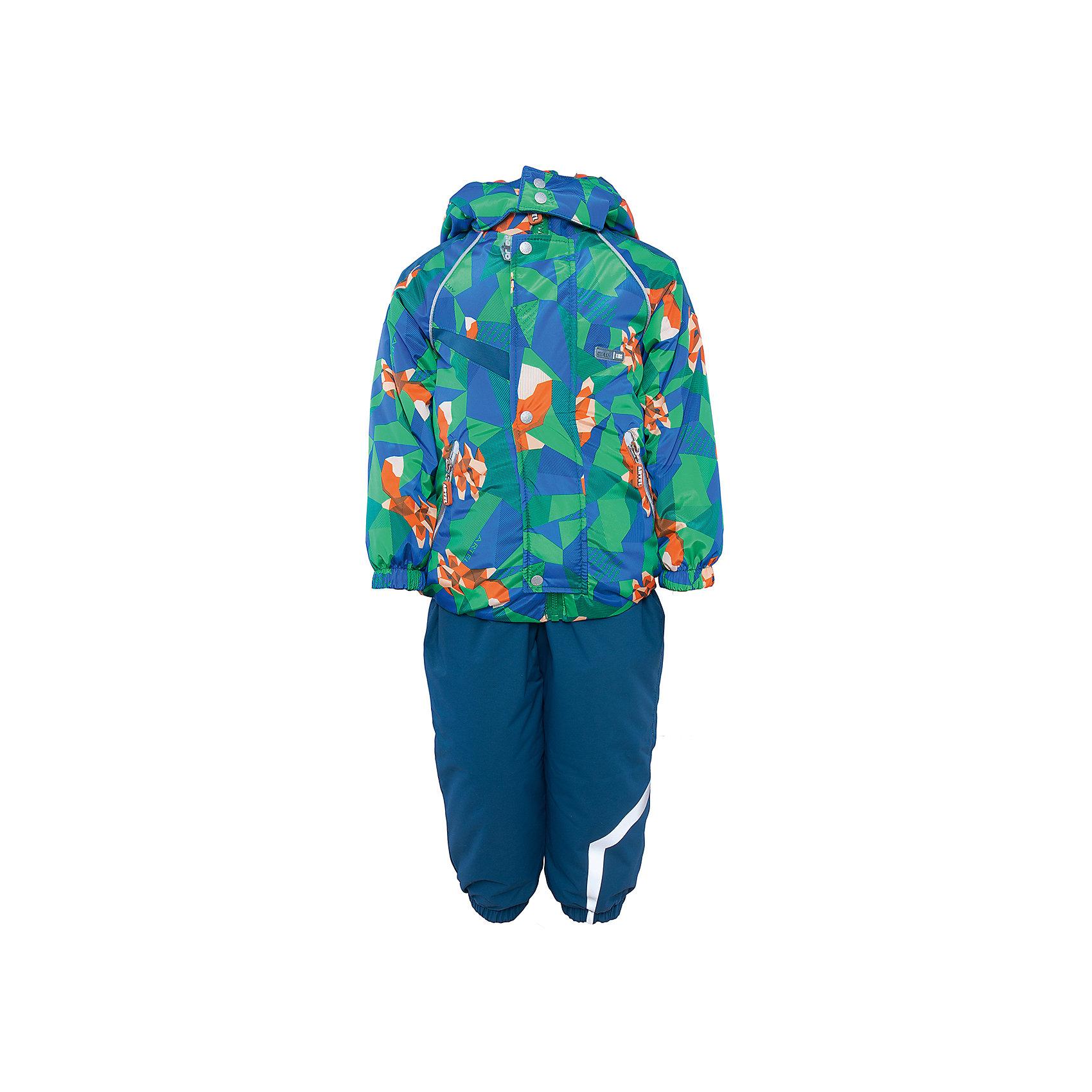 Комплект: куртка и полукомбинезон для мальчика АртельВерхняя одежда<br>Комплект: куртка и полукомбинезон для мальчика от известного бренда Артель<br>Комплект на современном утеплителеиз мембранной ткани, позволит малышу долго гулять даже в самую слякотную погоду, кататься с мокрых горок и не промокнуть. Куртка выполнена из ткани с оригинальным геометрическим принтом. Центральный замок на молнию прикрыт ветрозащитной планкой. У полукомбинезона регулируется длина бретелек. По низу штанишек расположены штрипки, которые фиксируются на сапожках, удерживают штанину от задирания и обеспечивают дополнительную защиту от скольжения. Сзади, по линии талии, для дополнительной фиксации, расположена резинка.<br>Состав:<br>Верх: KB-703 HiPora<br>Подкладка: интерлок<br>Утеплитель: TermoFinn 200<br>Полукомбинезон:<br>Верх: Dobby HiPora<br>Подкладка: флис, пэ<br>Утеплитель: TermoFinn 200<br><br>Ширина мм: 215<br>Глубина мм: 88<br>Высота мм: 191<br>Вес г: 336<br>Цвет: синий<br>Возраст от месяцев: 48<br>Возраст до месяцев: 60<br>Пол: Мужской<br>Возраст: Детский<br>Размер: 110,104,98<br>SKU: 4963995
