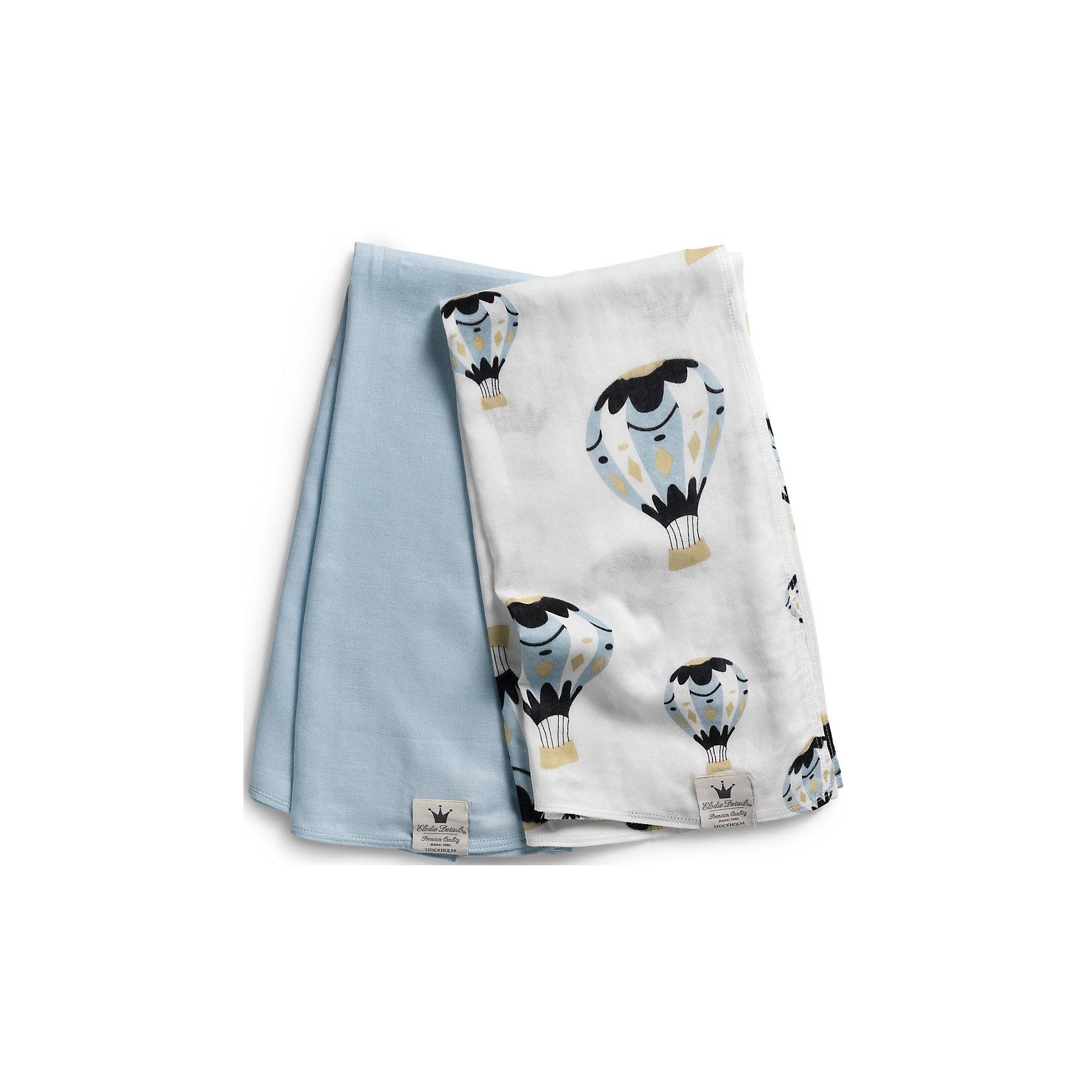 Плед Moon Baloon, Elodie Details (бамбук)Одеяла, пледы<br>Плед Elodie Details               Невесомые муслиновые пеленки незаменимы в теплое время года. Легкая двухслойная ткань из бамбукового волокна прекрасно пропускает воздух, позволяя коже ребенка дышать, и впитывает лишнюю влагу. Пеленки можно использовать в качестве легкого летнего пледа - дома и на прогулке, - а также накрывать коляску от прямых солнечных лучей.                - размер: 78х78 см        - состав: 70% бамбуковое волокно, 30% хлопок                КоллекцияElodie Details Moon Baloon полна литературных аллюзий - само название, а также романтичный воздушный шар дизайнеры шведского бренда позаимствовали у известной американской художницы Джоан Дрешер (Joan Drescher), участницы большого благотворительного проекта Массачусетса Moon Baloon. По большому счетуMoon Baloon - это детская красочно иллюстрированная книга, которая была выпущена с целью арт-терапии больных детей и имела небывалый успех. А фраза, использованная на пустышке - Люблю тебя до луны и обратно - прямая цитата из доброй детской сказки ирландского писателяСэма Макбратни.<br><br>Ширина мм: 430<br>Глубина мм: 200<br>Высота мм: 25<br>Вес г: 185<br>Возраст от месяцев: 0<br>Возраст до месяцев: 36<br>Пол: Мужской<br>Возраст: Детский<br>SKU: 4966112