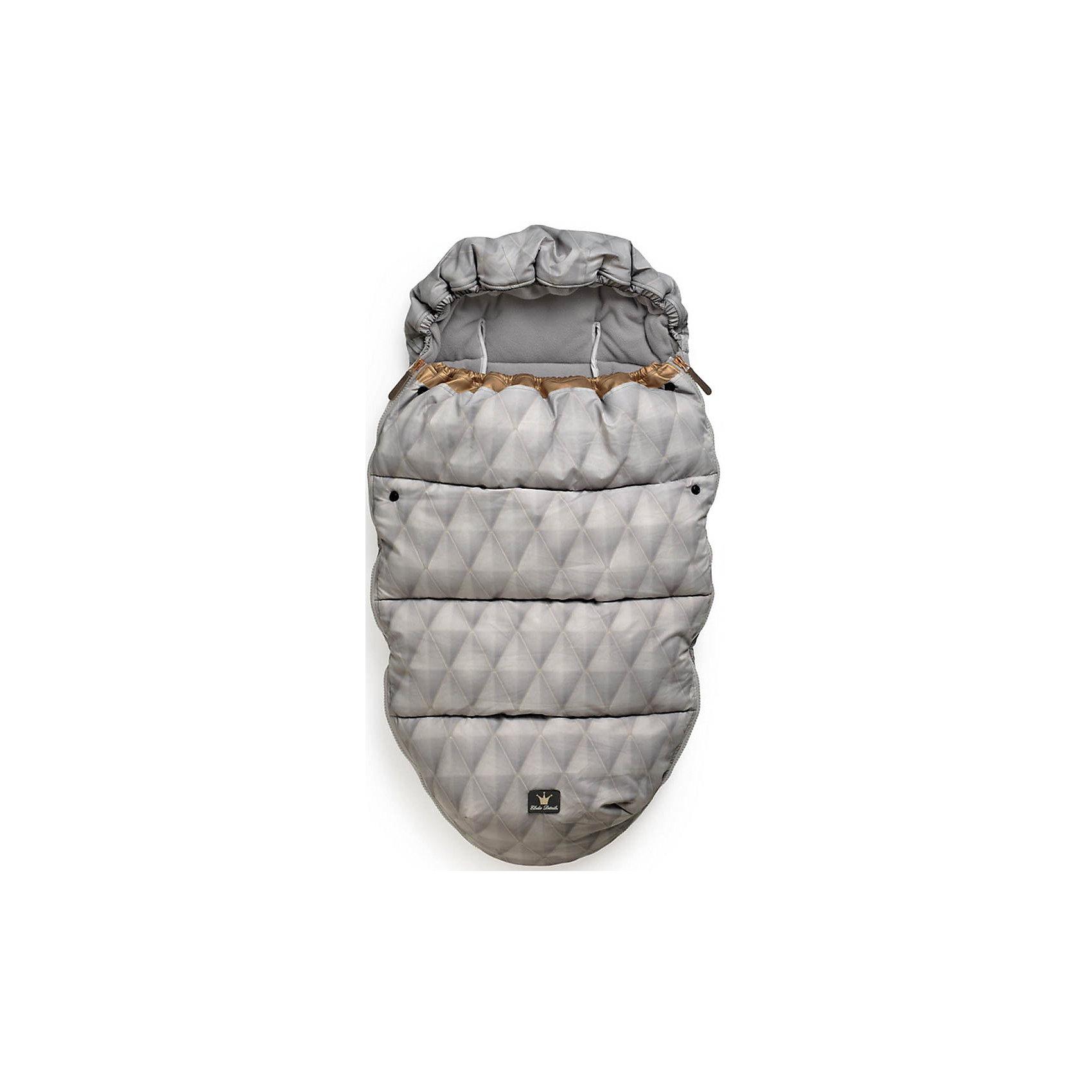 Конверт зимний Gilded Grey, Elodie DetailsКонверт зимний Gilded Grey, Elodie Details (Элоди Дитейлс)<br><br>Характеристики:<br><br>• водо- и ветронепроницаемый материал<br>• теплая флисовая подкладка<br>• верх-капюшон<br>• молния с двух сторон<br>• прорези для 5-точечных ремней безопасности<br>• подходит для всех колясок, в том числе прогулочных<br>• размер: 53х110 см<br>• материал верха: нейлон<br>• материал подкладки: флис<br>• подходит для ручной и автоматической стирки<br><br>С конвертом Gilded Grey ваш малыш всегда будет чувствовать себя комфортно во время прогулок. Верхний материал имеет водо- и ветронепроницаемую поверхность, а флисовая подкладка нежно согреет кроху даже в непогоду. Эластичный верх пригодится при сильном ветре - его можно использовать как капюшон. Конверт имеет удобную форму, которая позволяет малышу двигаться. Модель имеет прорези для пятиточечных ремней безопасности, что позволяет использовать ее практически для любых колясок, включая прогулочные. Стирать конверт очень просто: он подходит для автоматической и ручной стирки. Позаботьтесь о комфорте крохи с конвертом Gilded Grey!<br><br>Конверт зимний Gilded Grey, Elodie Details (Элоди Дитейлс) можно купить в нашем интернет-магазине.<br><br>Ширина мм: 1100<br>Глубина мм: 530<br>Высота мм: 60<br>Вес г: 900<br>Возраст от месяцев: 0<br>Возраст до месяцев: 12<br>Пол: Унисекс<br>Возраст: Детский<br>SKU: 4966147
