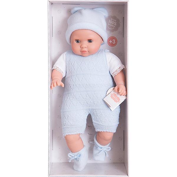 Кукла Джулиус, 36 см, Paola ReinaКуклы<br>Кукла Джулиус, 36 см, Paola Reina (Паола Рейна).<br><br>Характеристики:<br><br>• Материал: винил (руки, ноги, голова), текстиль (туловище), полиэстер (набивка туловища)<br>• Размер упаковки: 49х24х12 см<br>• Вес: 0,39 кг.<br>• Нежный аромат Ванили;<br><br>Кукла Джулиус, 36 см, Paola Reina (Паола Рейна)- это мягконабивная кукла, ростом 36 см. Тело выполнено из текстиля и сгибается в любое положение, она приятна на ощупь и с ней удобно спать. Ручки, ножки и головка сделаны из винила, окрашенного в натуральный телесный цвет. Пухлые губки, пушистые ресницы, акриловые глаза, лукавый взгляд – все это  придаёт куклам реалистичный вид. Глазки в виде кристалла из прозрачного твердого пластика, закрываются в горизонтальном положении. Куколка наряжена в белую рубашечку, голубой полукомбинезон, очаровательные пинетки и забавную шапочку с ушками. Порадуйте свою девочку, подарив ей такую куклу!<br><br>Куклу Джулиус, 36 см, Paola Reina (Паола Рейна) – можно купить в нашем интернет – магазине.<br><br>Ширина мм: 120<br>Глубина мм: 250<br>Высота мм: 420<br>Вес г: 1000<br>Возраст от месяцев: 36<br>Возраст до месяцев: 144<br>Пол: Женский<br>Возраст: Детский<br>SKU: 4966364