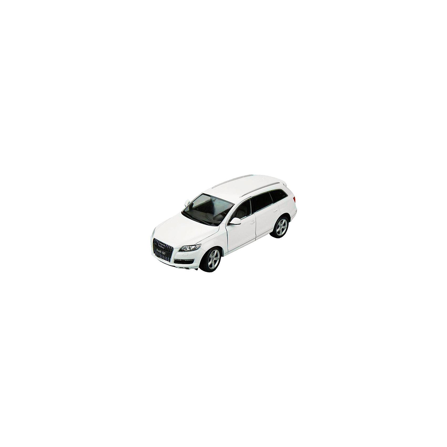 Модель машины 1:18 Audi Q7, WellyКоллекционные модели<br>Коллекционная модель машины Welly Audi Q7 масштаба 1:18. Это полноразмерный кроссовер, премьера которого состоялась в сенябре 2015 года, довольно мощный и вместительный автомобиль. Игрушка функциональна: открываются двери и капот, передние колеса вращаются от вращений руля. Тщательно детализирована: проработан интерьер салона, а также содержимое капота.  Обратите внимание, машина представлена в цветовом ассортименте, выбранный вариант в поставке не гарантирован.<br><br>Ширина мм: 160<br>Глубина мм: 135<br>Высота мм: 330<br>Вес г: 1463<br>Возраст от месяцев: 36<br>Возраст до месяцев: 192<br>Пол: Мужской<br>Возраст: Детский<br>SKU: 4966477